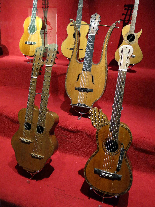 Guitarras extravagantes
