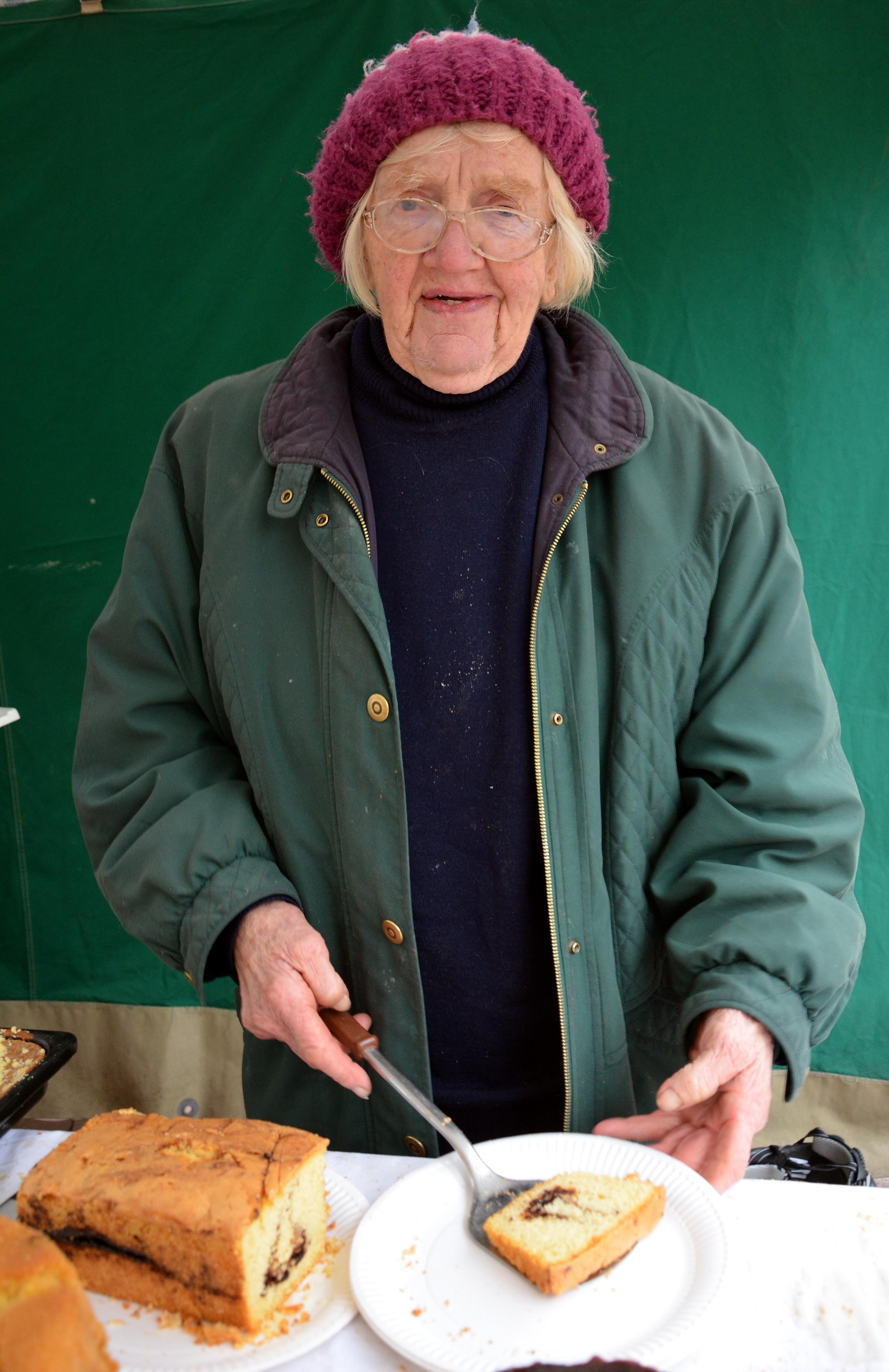 File 1932 geboren verkauft die b uerin hanne volker aus for Kuchen volker hosbach