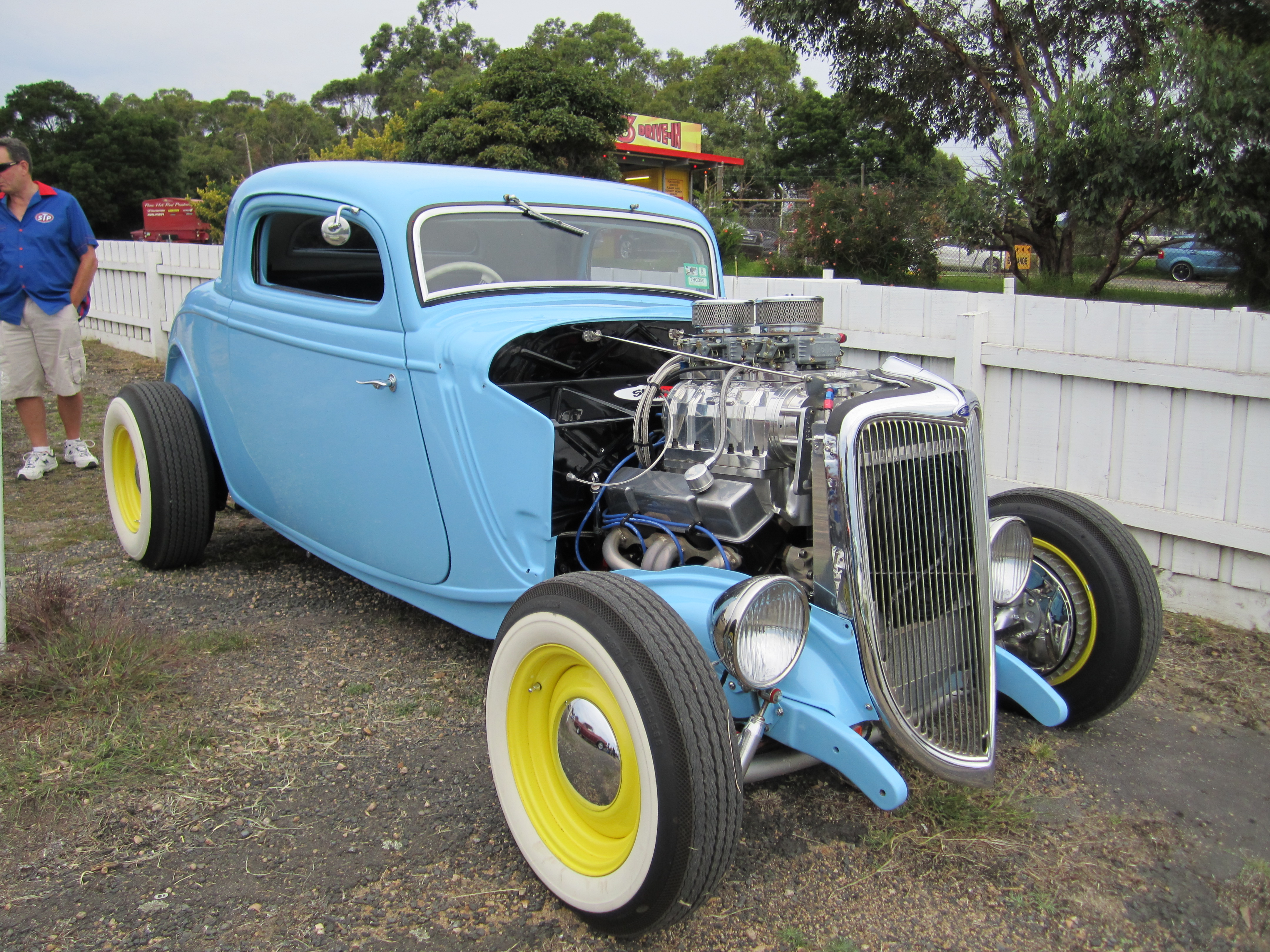 1934 ford 3 window coupe hot rod 2 jpg description 1932 ford 5 window