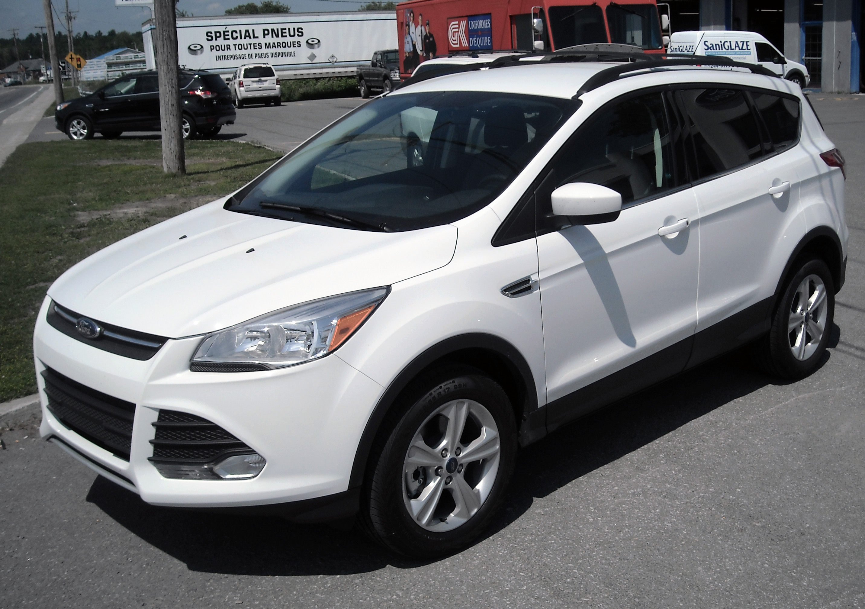 File 2013 Ford Escape Sel Fwd Dealer Jpg Wikimedia Commons