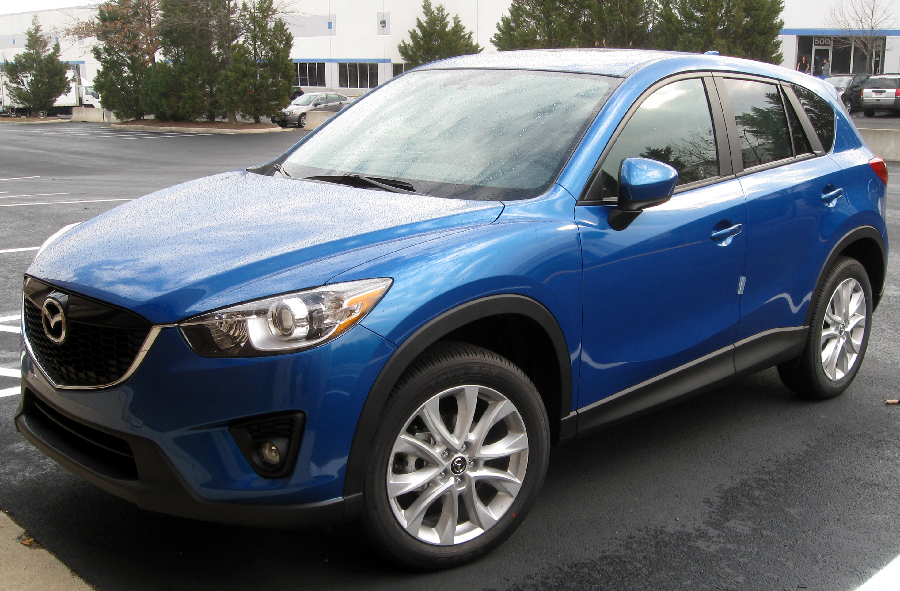 https://upload.wikimedia.org/wikipedia/commons/b/bf/2013_Mazda_CX-5_Grand_Touring_--_02-24-2012.jpg