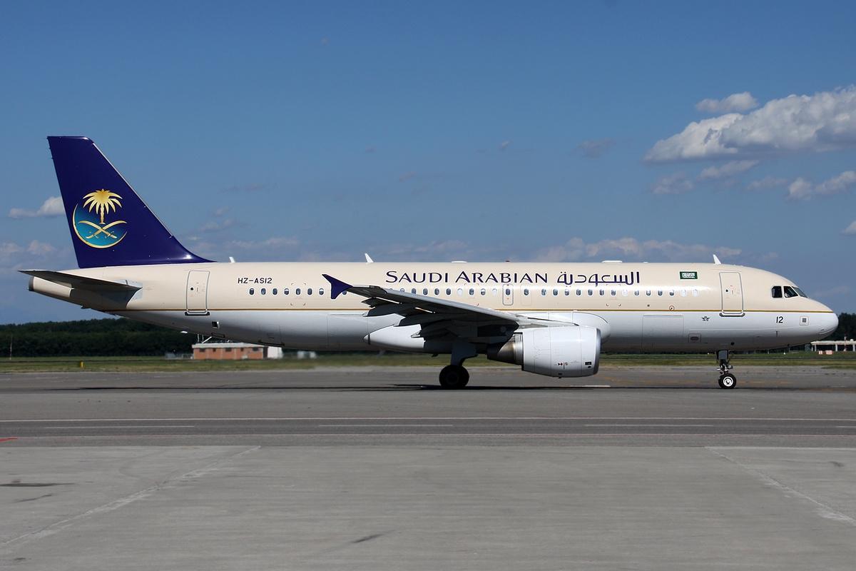 Saudi Airlines Airbus A320 File:airbus A320-214 Saudi
