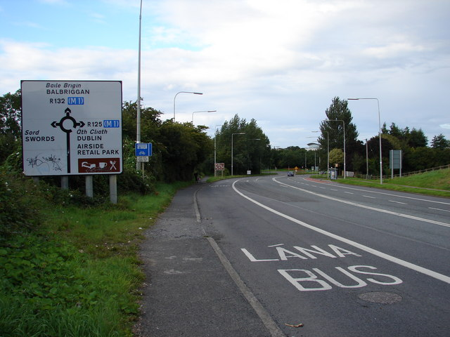 Approaching Swords - geograph.org.uk - 526735