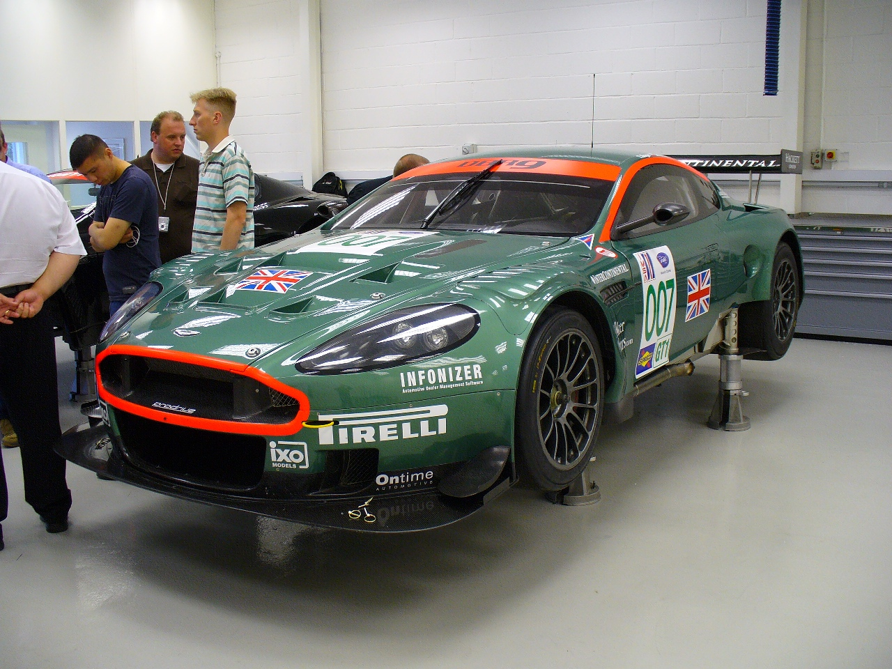 File Aston Martin Dbr9 Gt1 2006 No 007 Jpg Wikimedia Commons