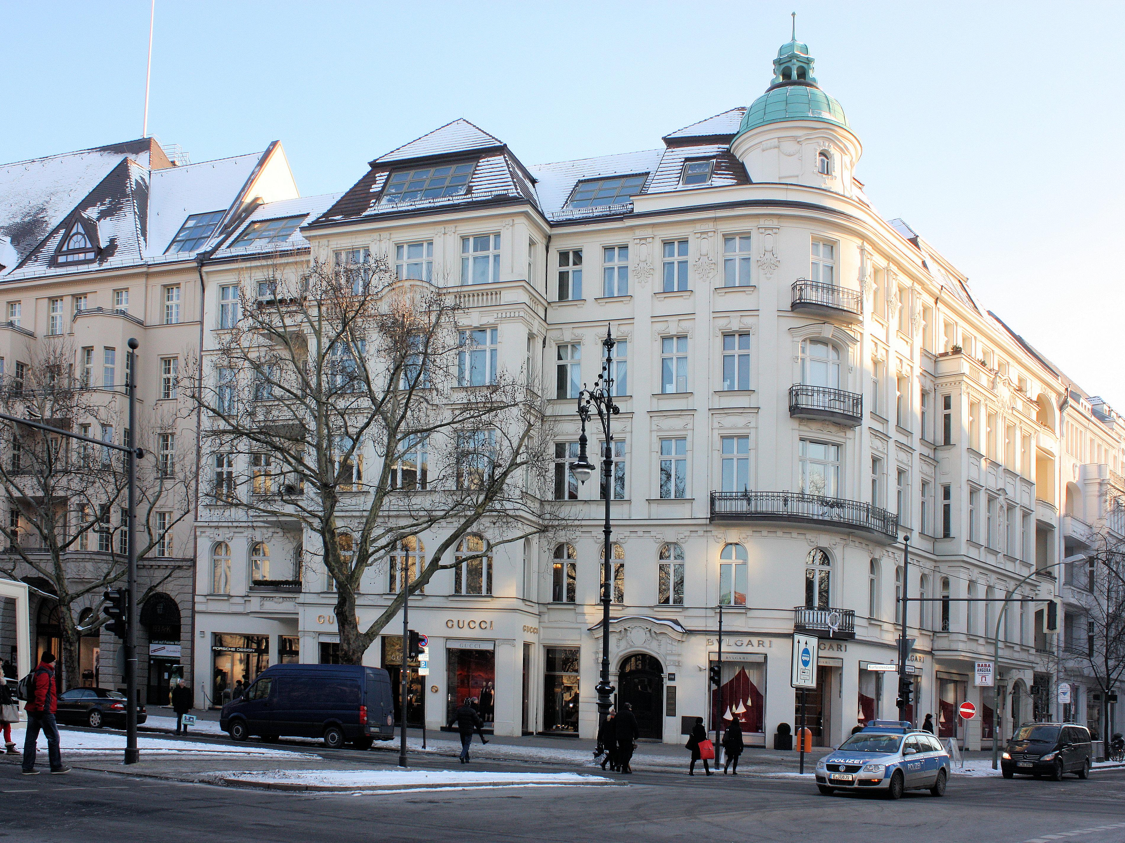 file berlin charlottenburg at the junction kurf rstendamm. Black Bedroom Furniture Sets. Home Design Ideas