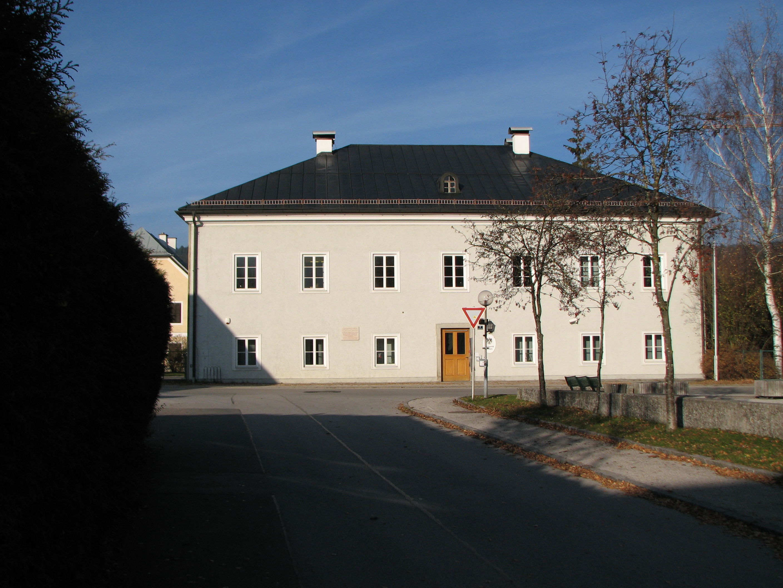Datei:Dechanthof in Thalgau carolinavolksfolks.com Wikipedia