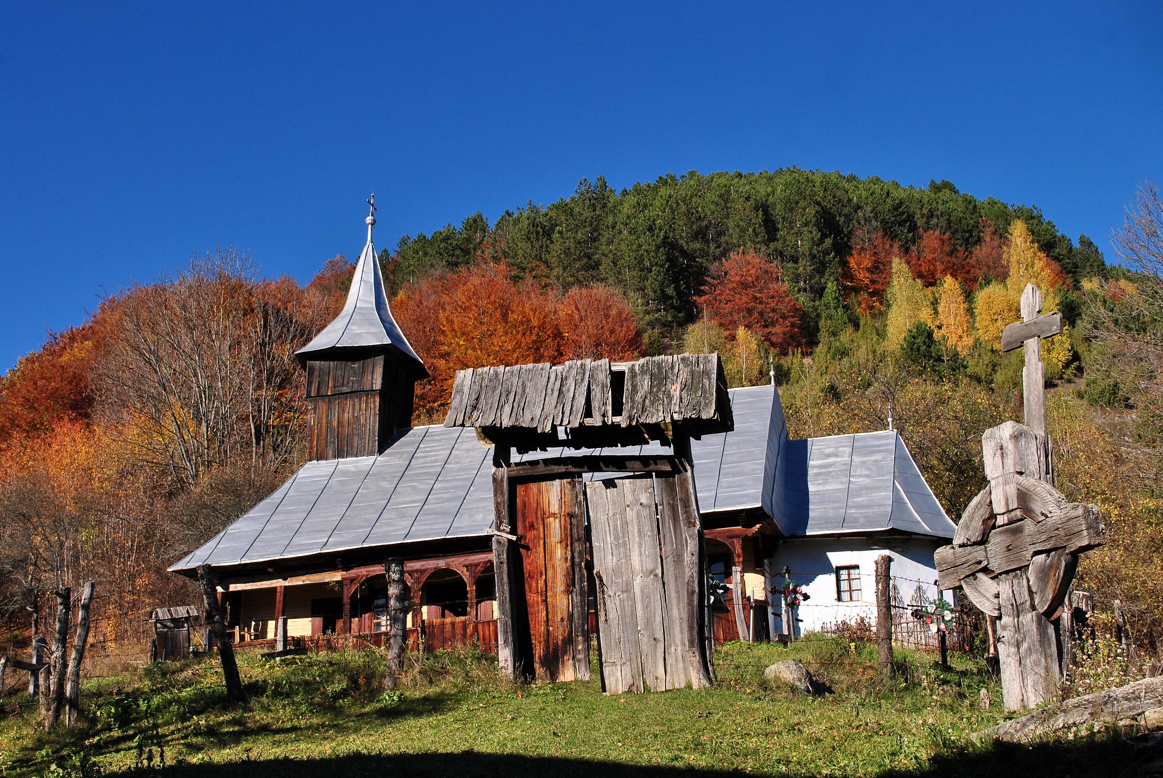 Biserica din Dealu Geoagiului.jpg