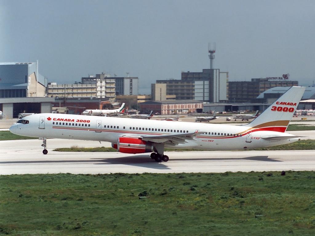 Boeing_757-28A%2C_Canada_3000_AN0827336.jpg