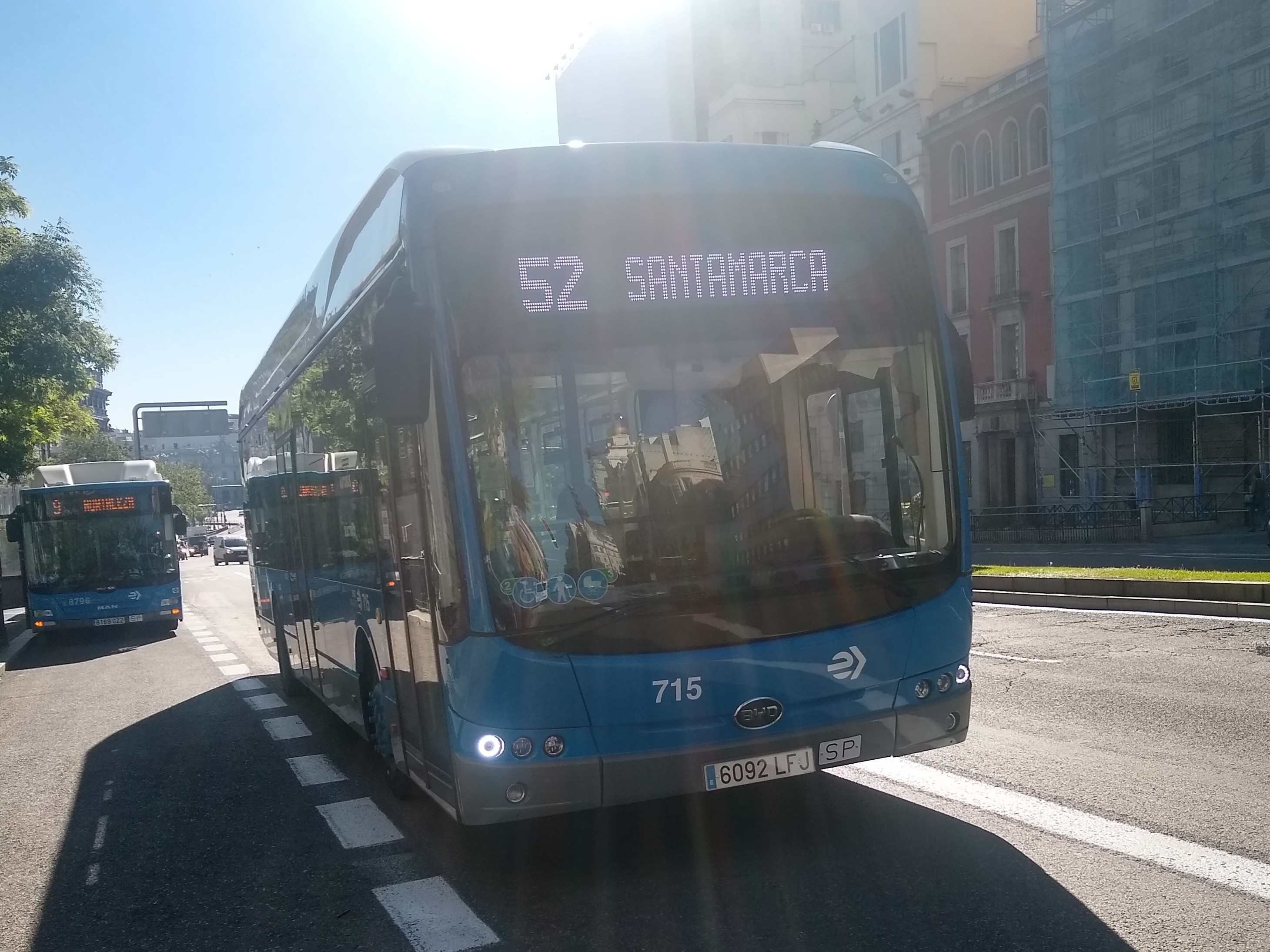 Imágenes numeradas - Página 2 Bus_l%C3%ADnea_52_EMT_Madrid