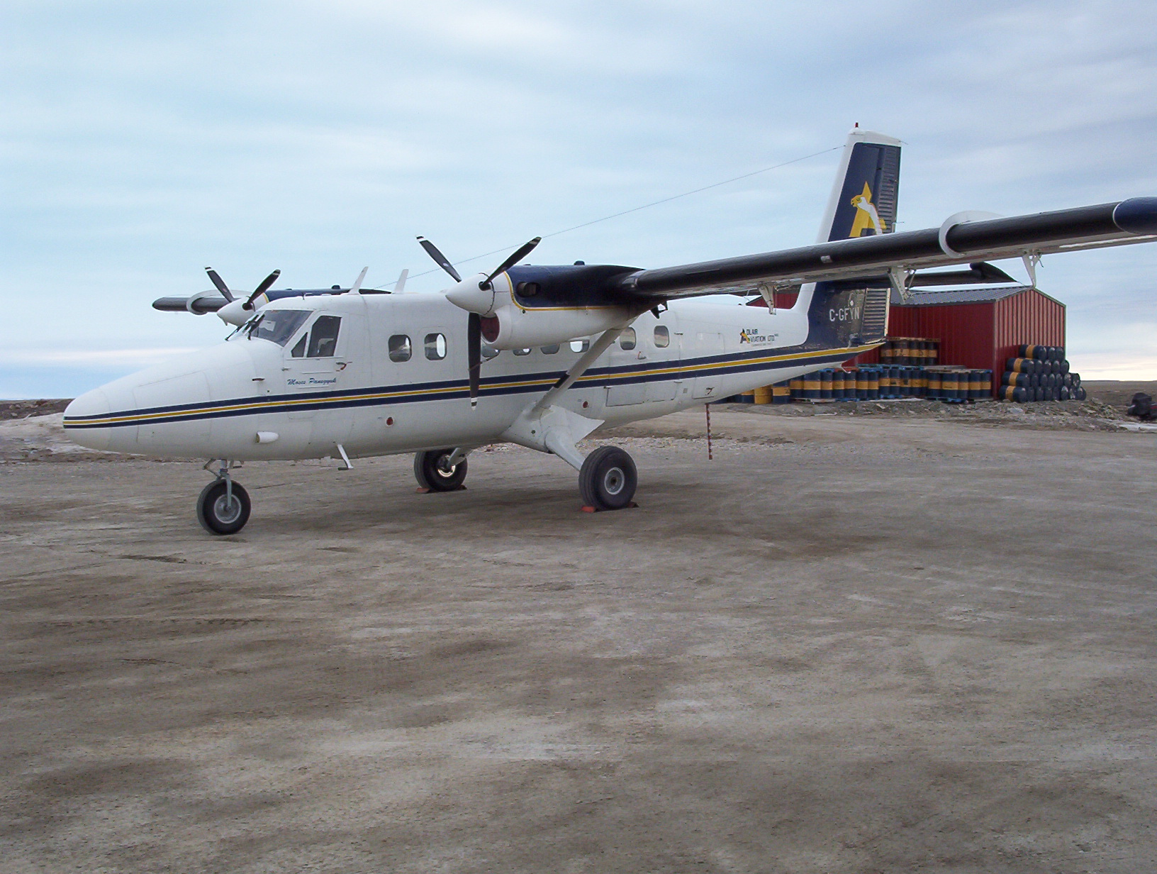 DHC-6 Twin Otter http://hu.wikipedia.org/wiki/DHC%E2%80%936_Twin_Otter - Вьетнам получил последний самолёт DHC-6 Twin Otter | Военно-исторический портал Warspot.ru