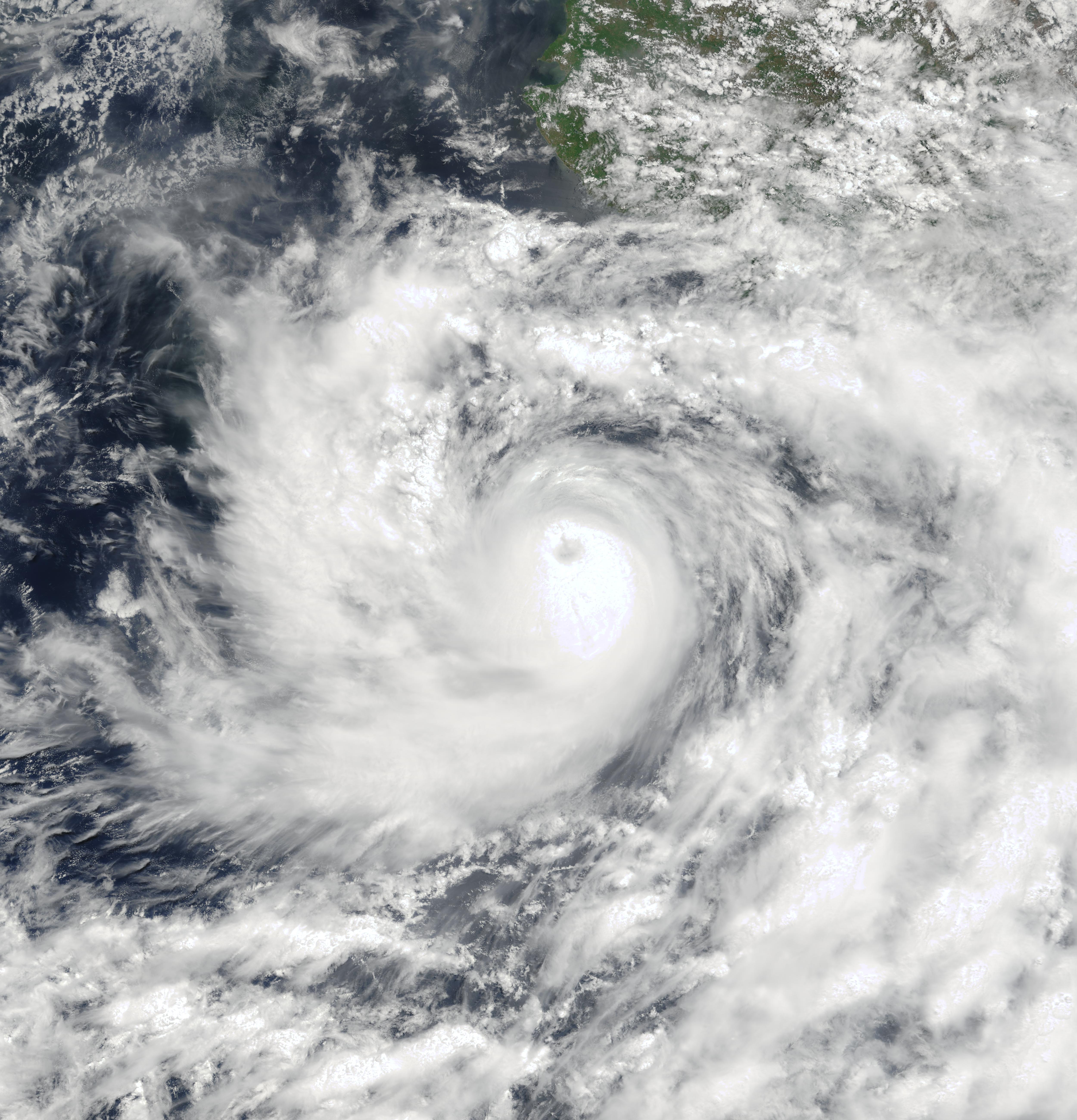 hurricane carlotta 2000 wikipedia