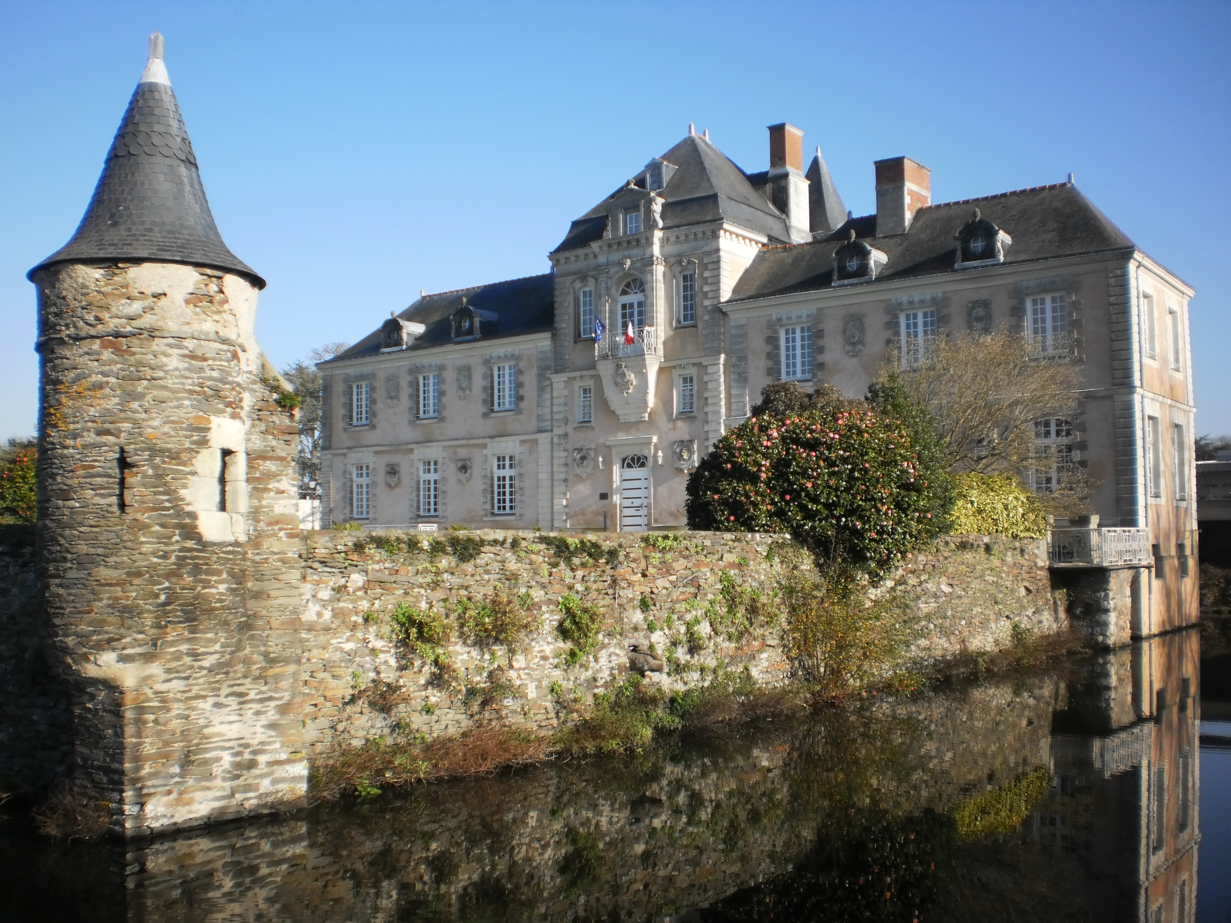 Sainte-Luce-sur-Loire France  City new picture : ... :Château de Chassay 1 Sainte Luce sur Loire — Wikipédia