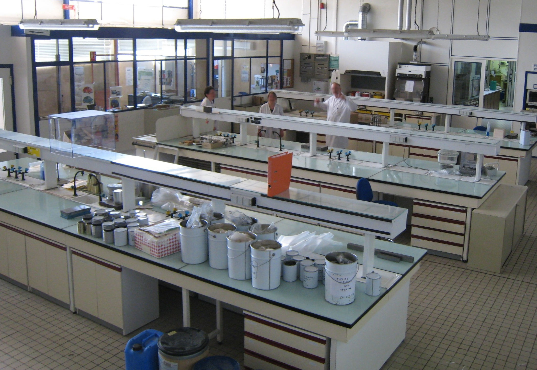 file chemistry laboratory jpg wikimedia commons