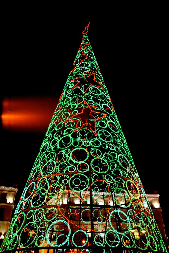 FileChristmas Tree In Madrid 4219621314jpg Wikimedia