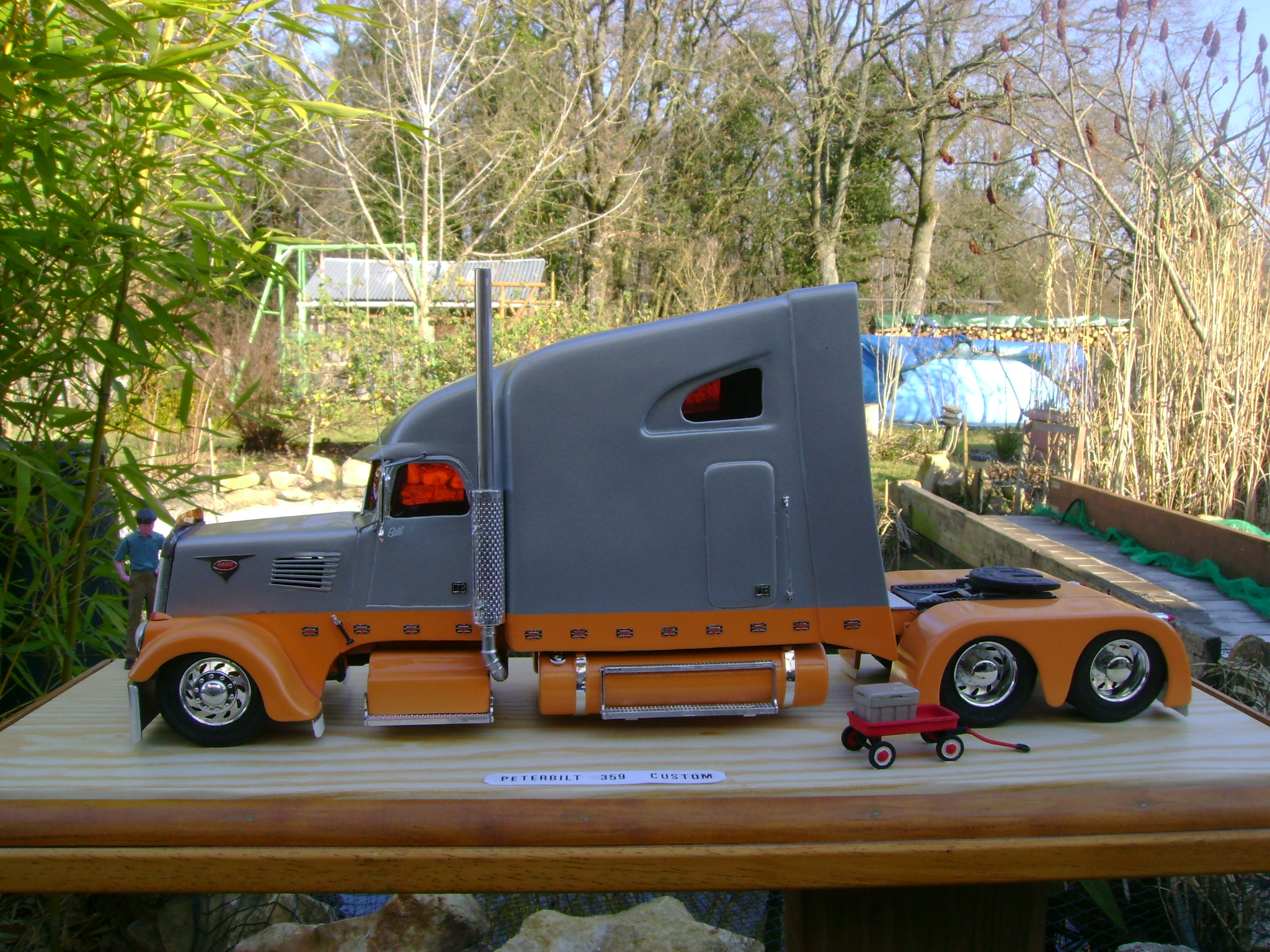 big rc semi truck kit with Awesome Model Big Rigs on 2014 5060 Ton Rotator With Jfb in addition Wordless Wednesday Raised Vs Stock Hummer H2 together with Truck Model Kiwimill News as well Truck Model Kiwimill News further Index php.