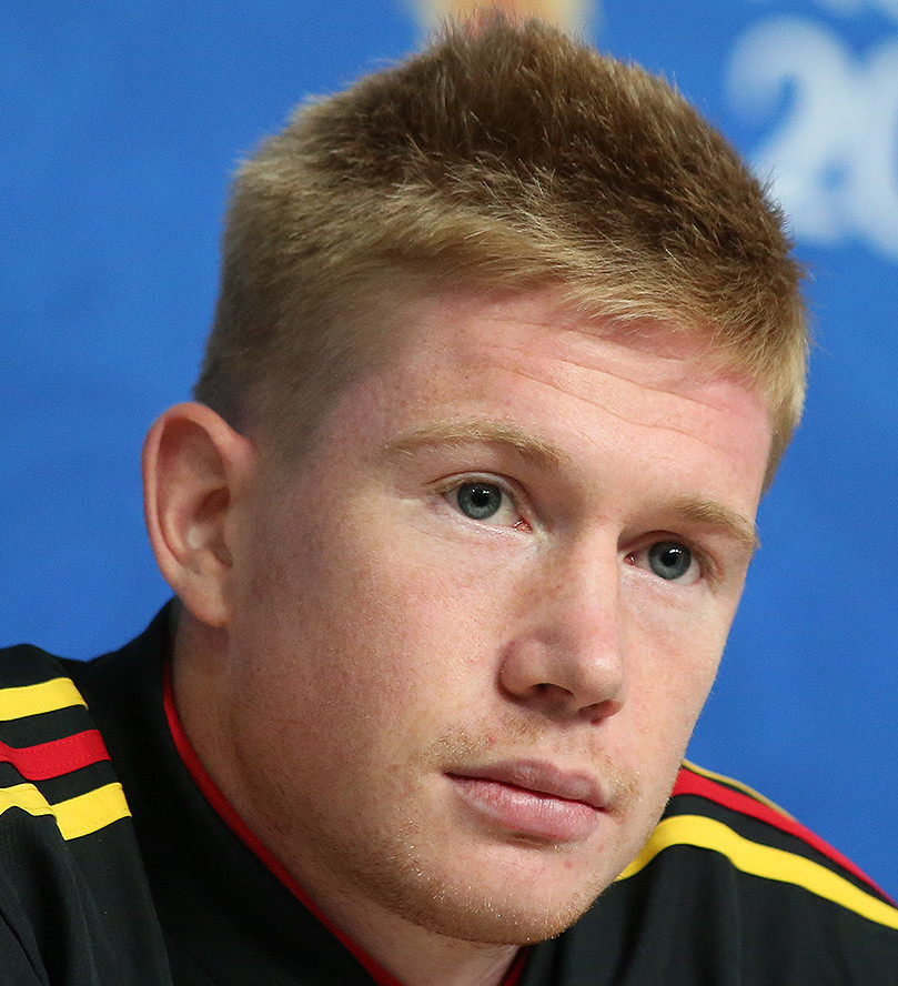 The 27-year old son of father Herwig de Bruyne and mother Anne de Bruyne Kevin de Bruyne in 2018 photo. Kevin de Bruyne earned a 2 million dollar salary - leaving the net worth at 4.2 million in 2018