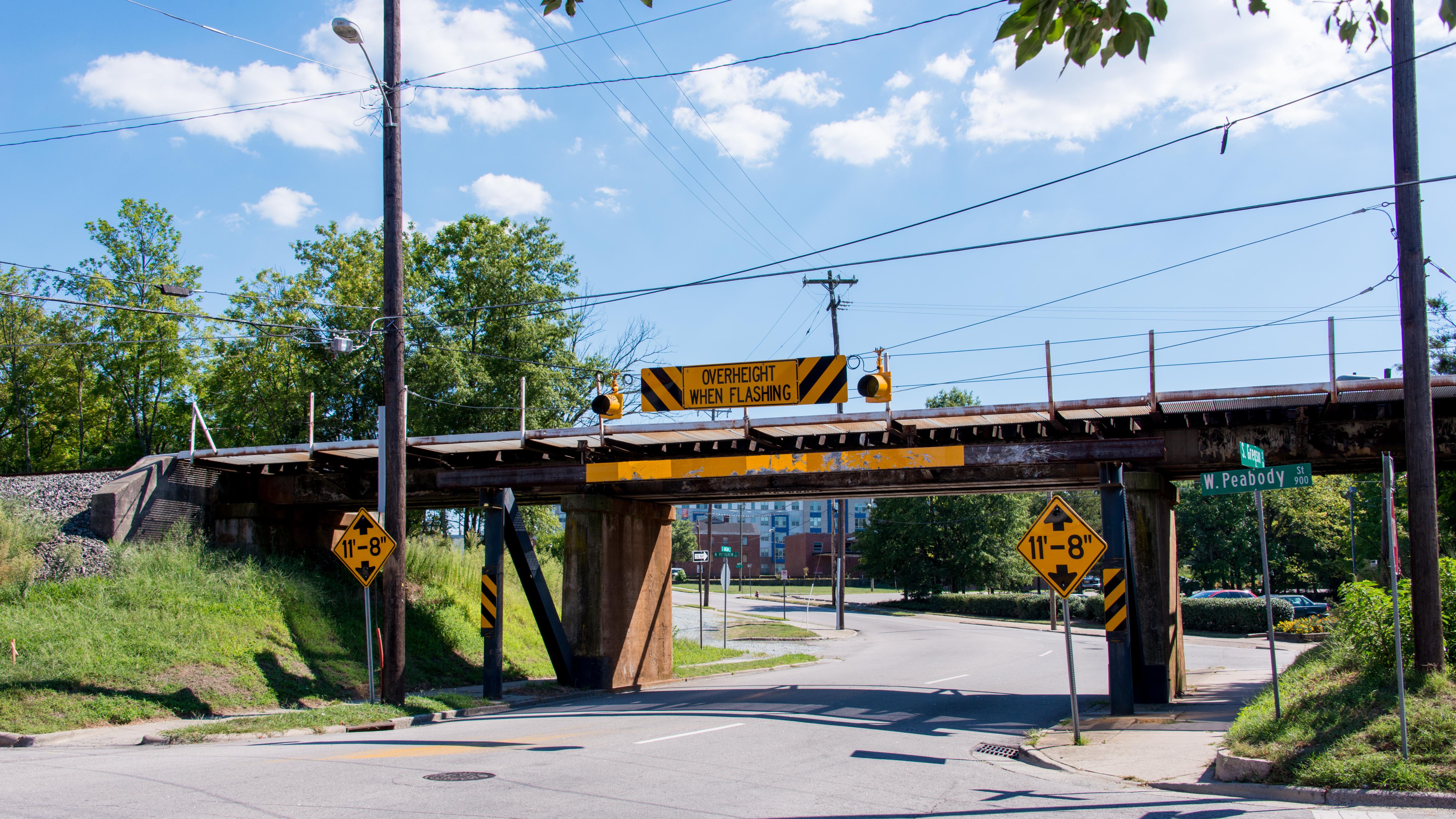 11 foot 8 Bridge - Wikipedia
