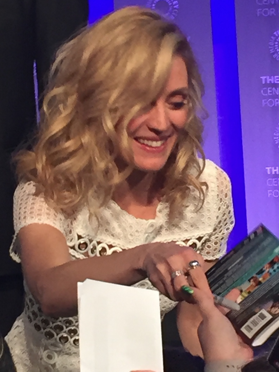 The 37-year old daughter of father (?) and mother(?) Evelyne Brochu in 2020 photo. Evelyne Brochu earned a  million dollar salary - leaving the net worth at 3 million in 2020