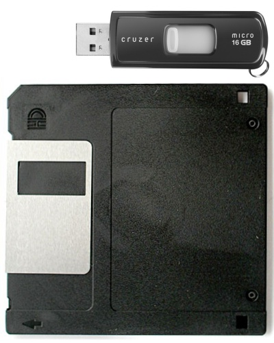 Size comparison of a flash drive and a 3.5-inch floppy disk. The flash drive can hold about 11,380 times more data. Flash Drive v. Floppy.jpg