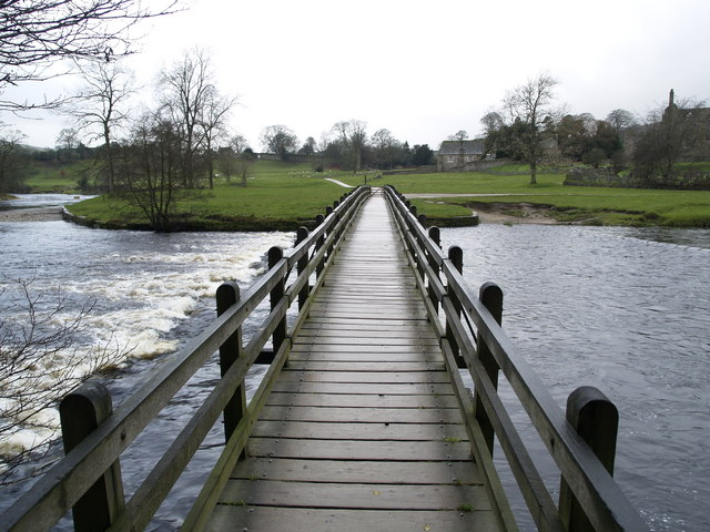 Footbridge over the River Wharfe at Bolton Abbey - geograph.org.uk - 624952