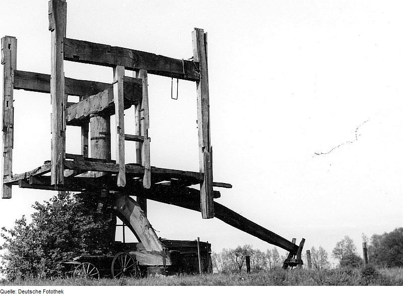 Fotothek df rp-a 0380046 Niedere Börde-Meseberg. Bockmühle, Ruine (um 1990-95 eingestürzt)