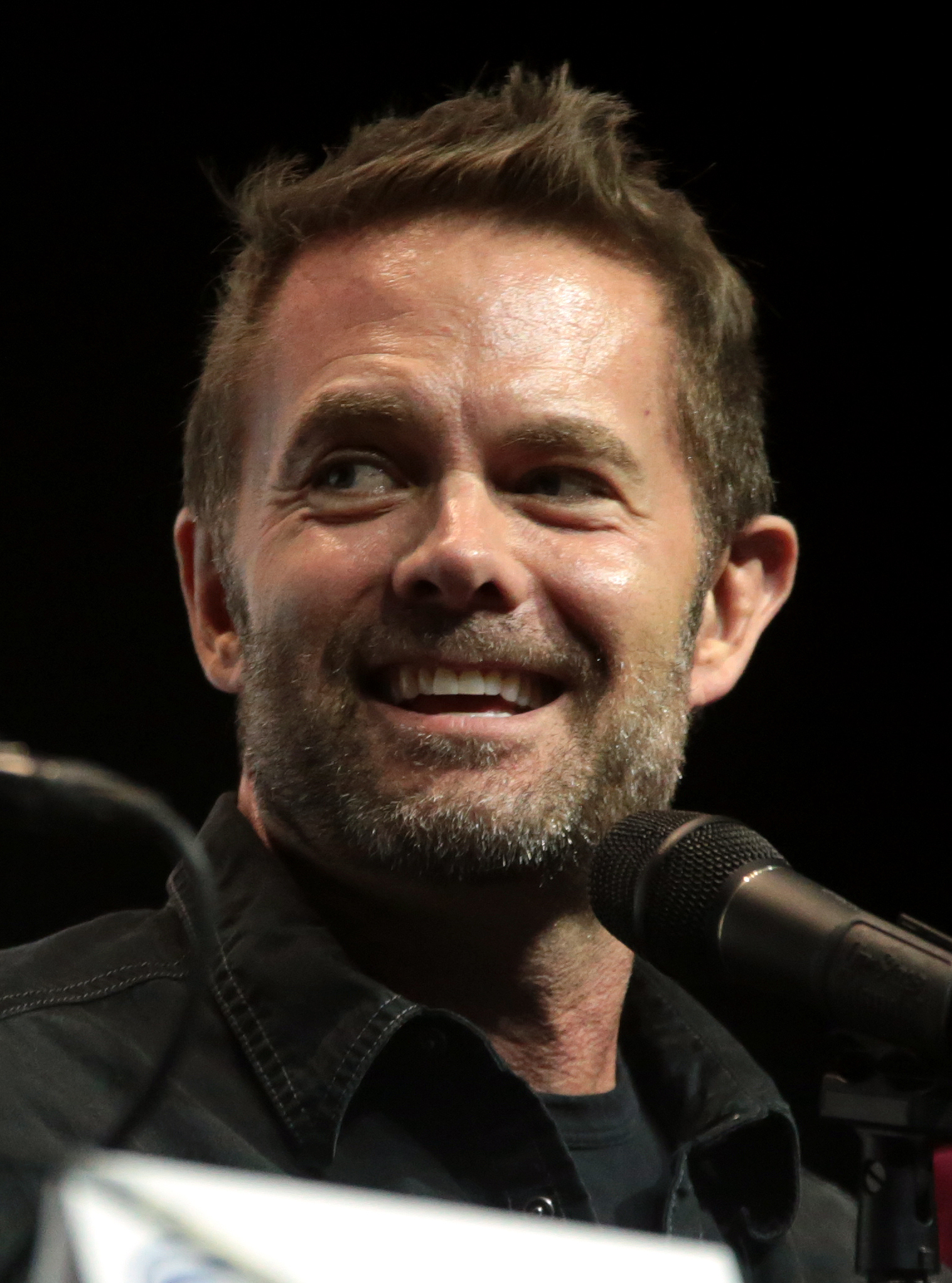 The 53-year old son of father (?) and mother(?) Garret Dillahunt in 2018 photo. Garret Dillahunt earned a  million dollar salary - leaving the net worth at 4 million in 2018