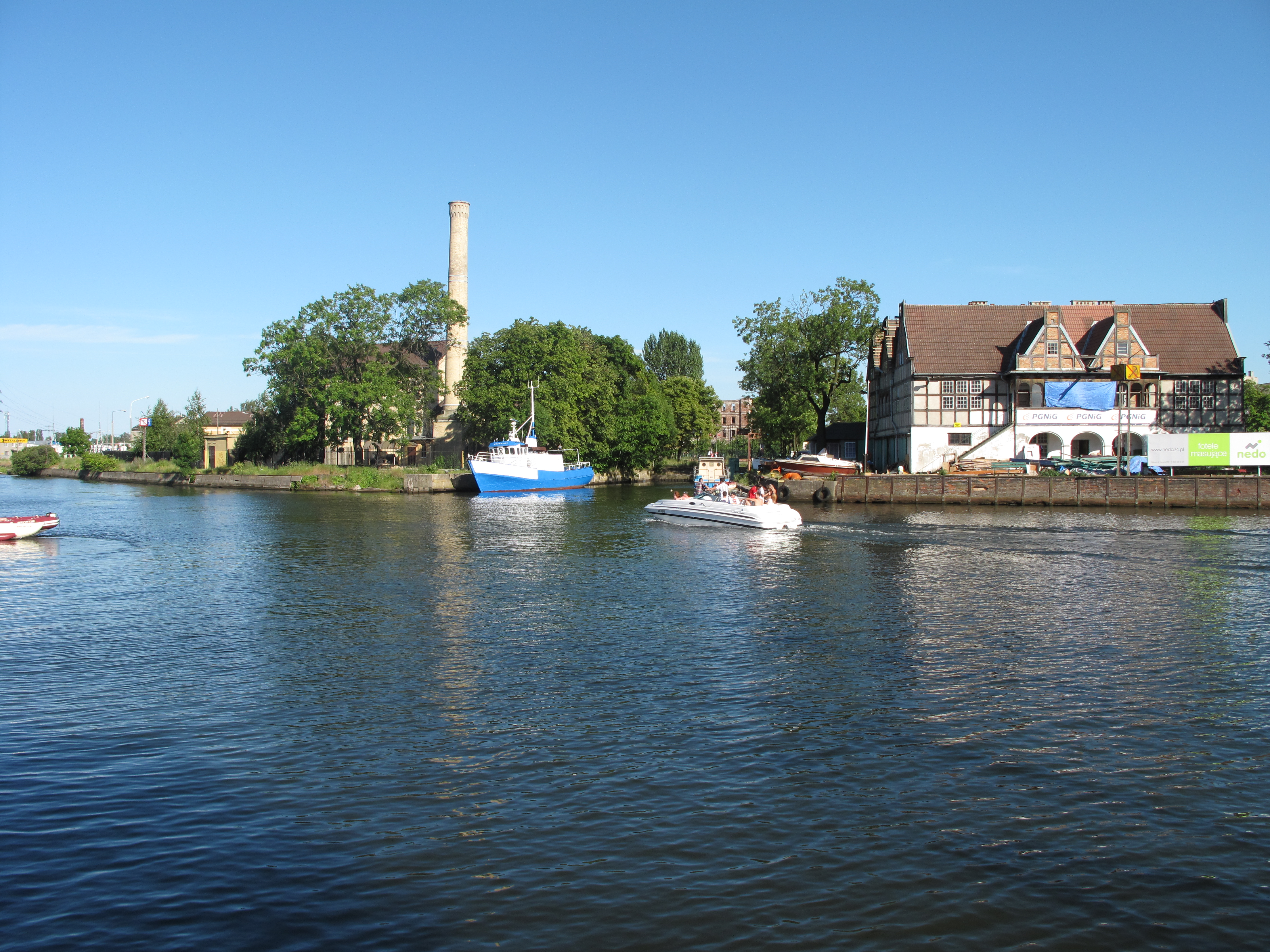 River Island Kingston  Clarence