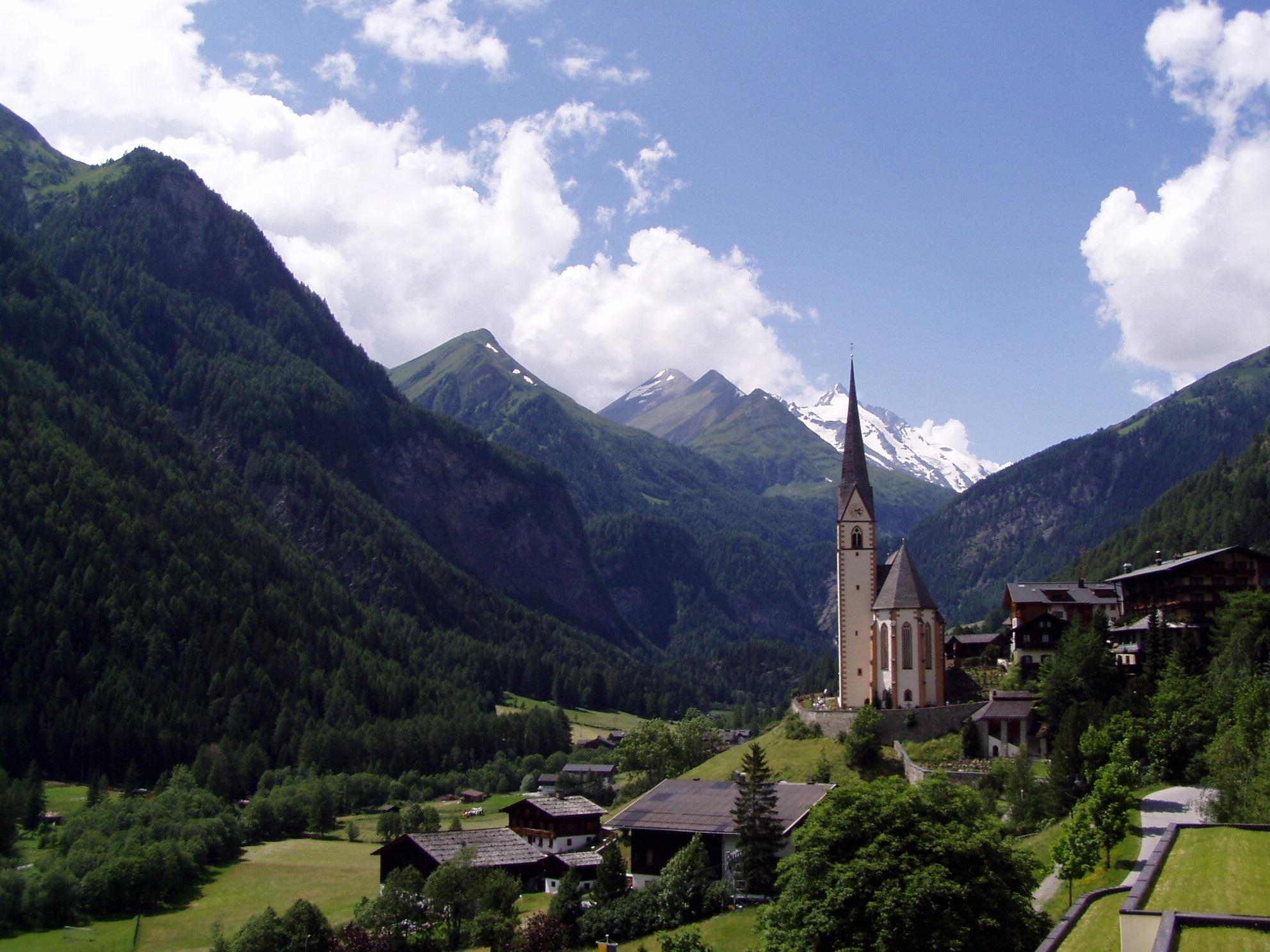 Pažintinė kelionė autobusu į Austriją