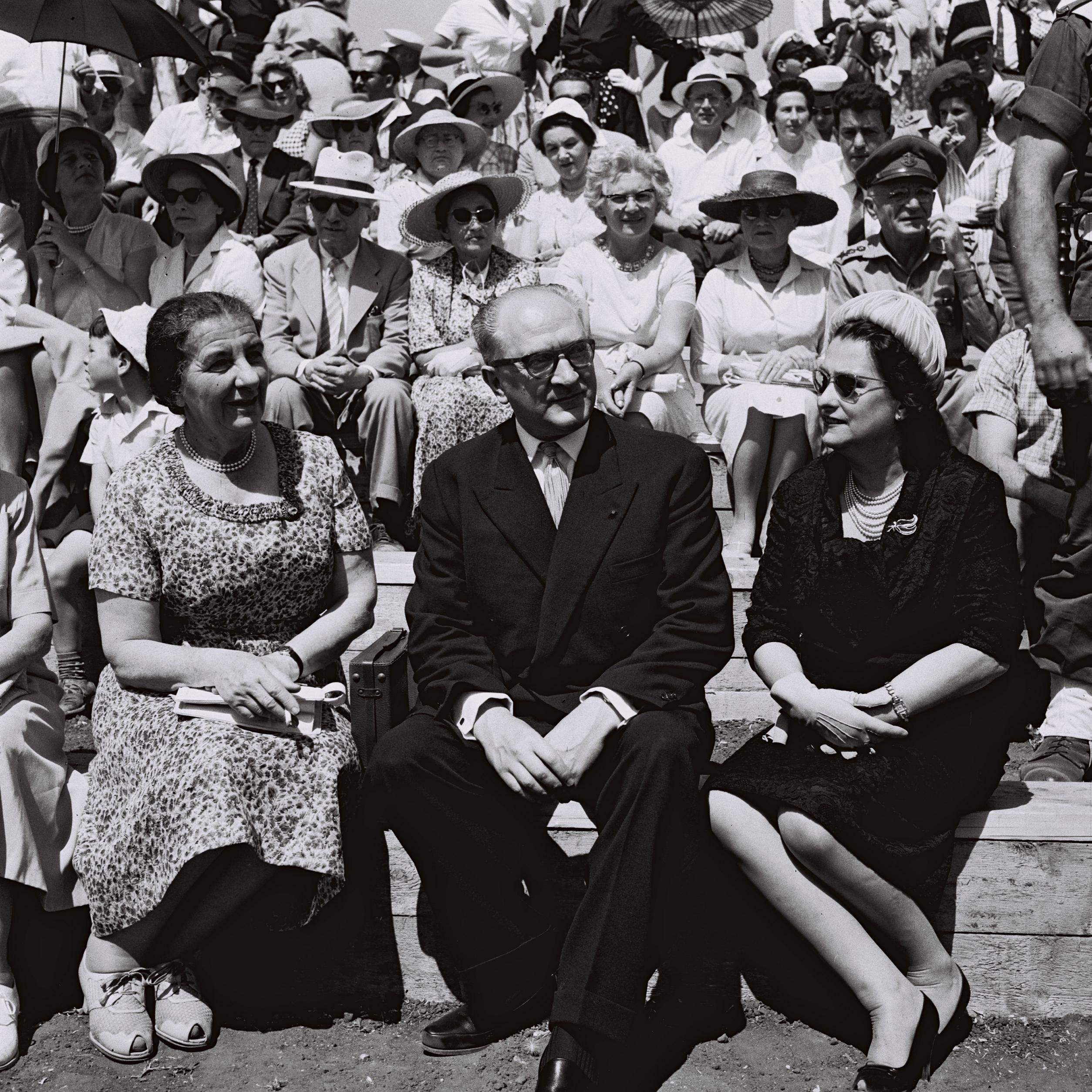 File:Guy Mollet-Golda Meir-Israel Indepence Day 1959.jpg