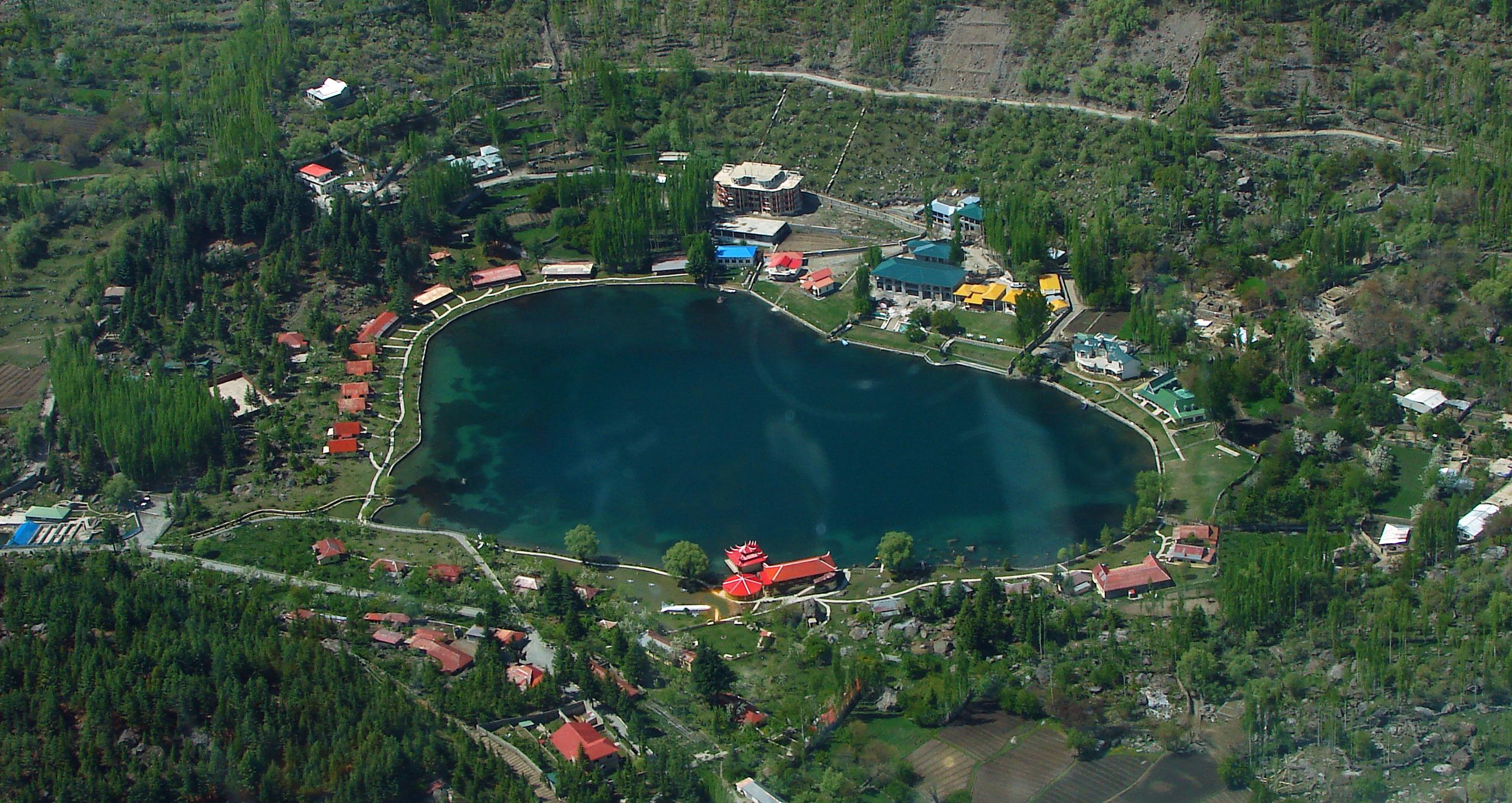 Shangrila Lake ile ilgili görsel sonucu
