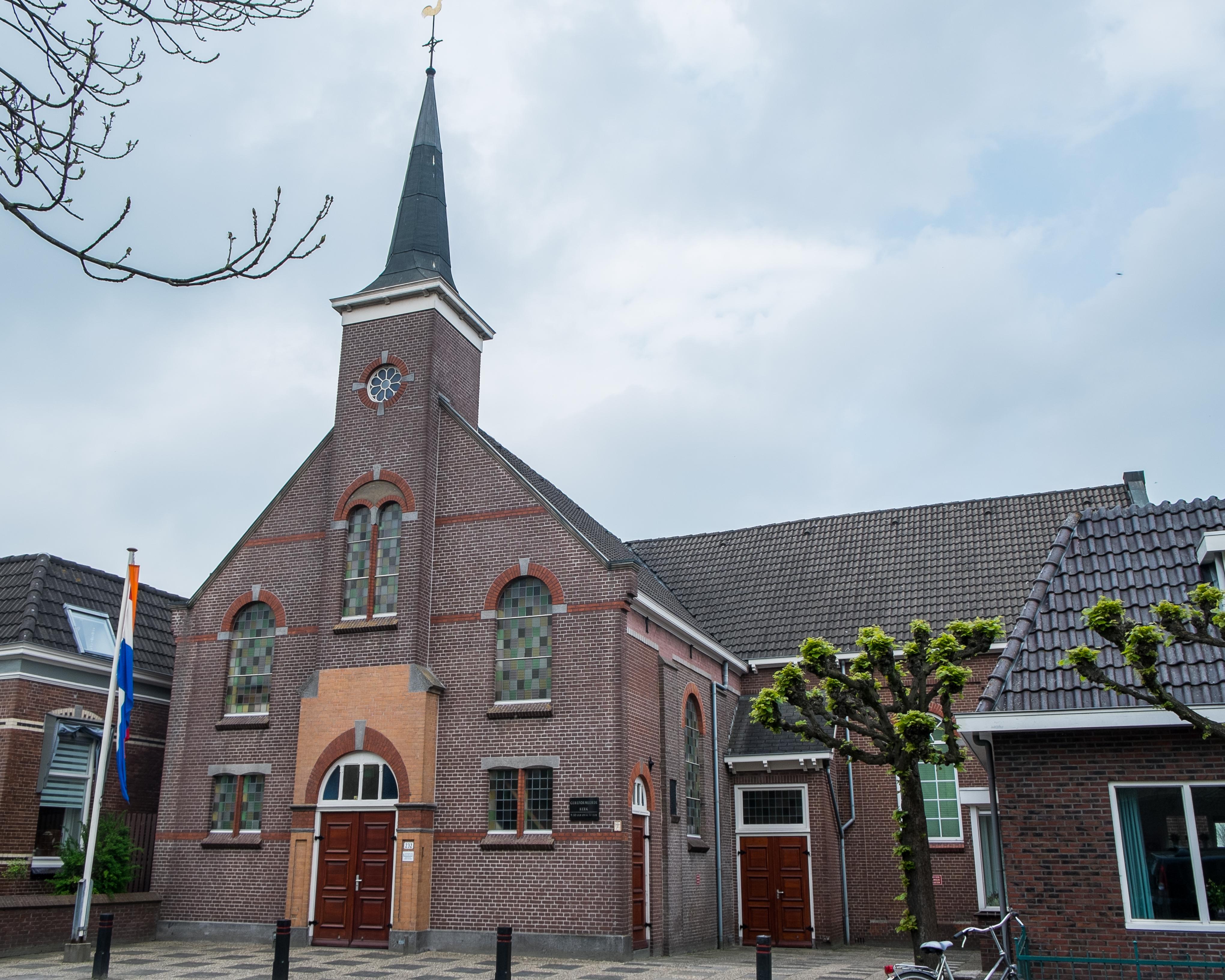 File Hoogkerk Gereformeerde Kerk Rechts Jpg Wikimedia Commons