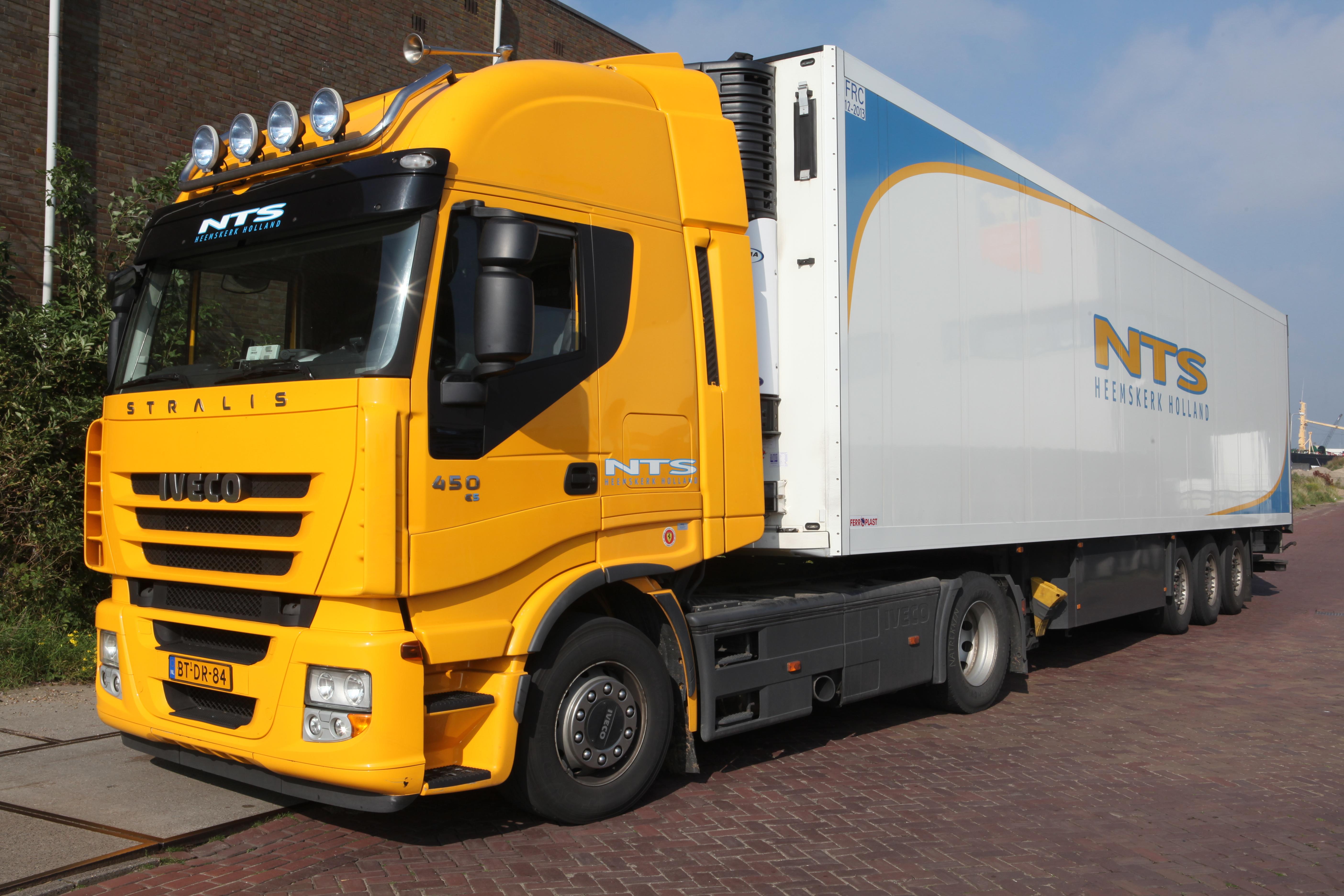 FileIVECO Stralis 450 E5 NTS Heemskerk Hollandjpg