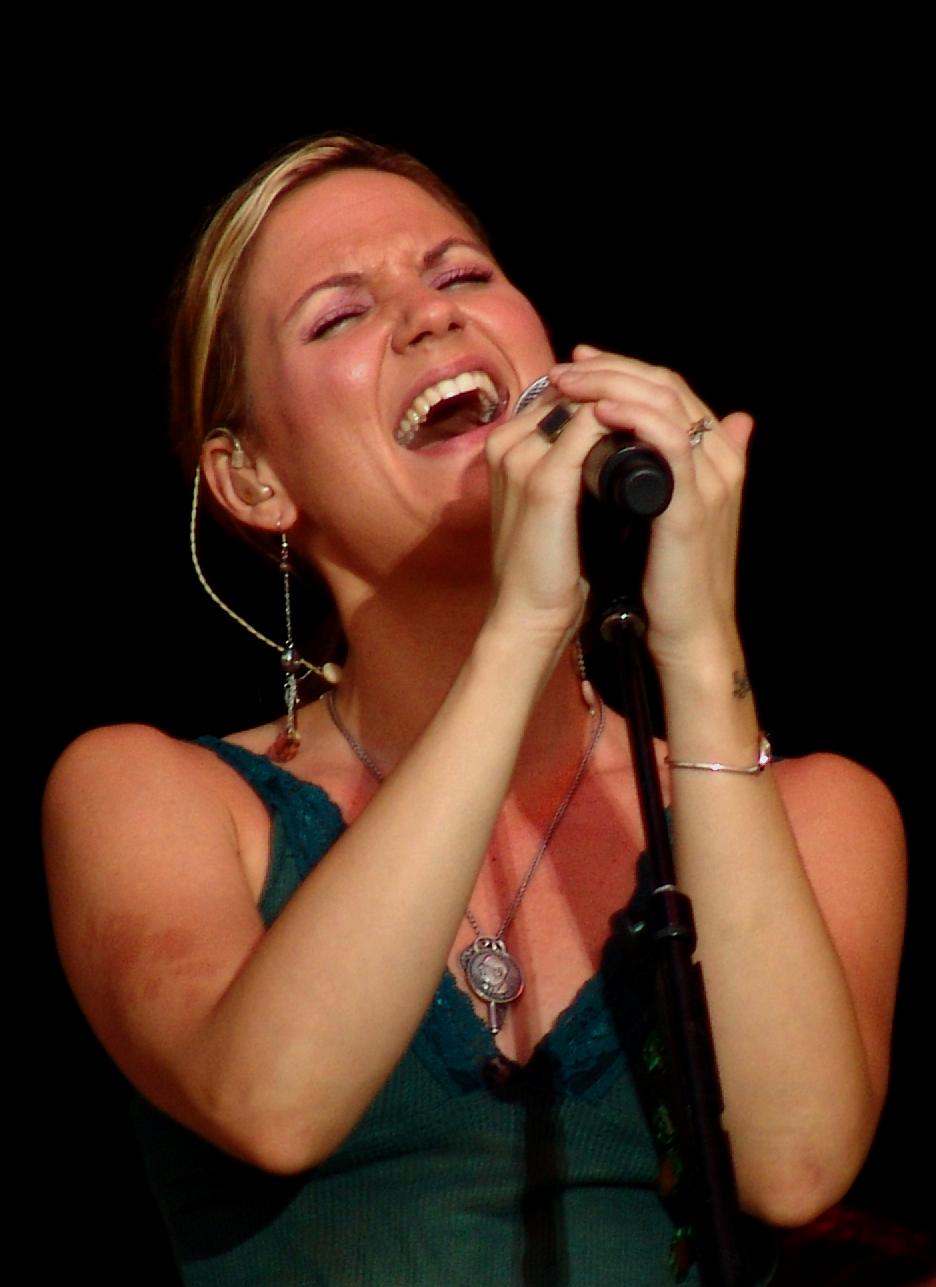 Jennifer Nettles – Wikipedia