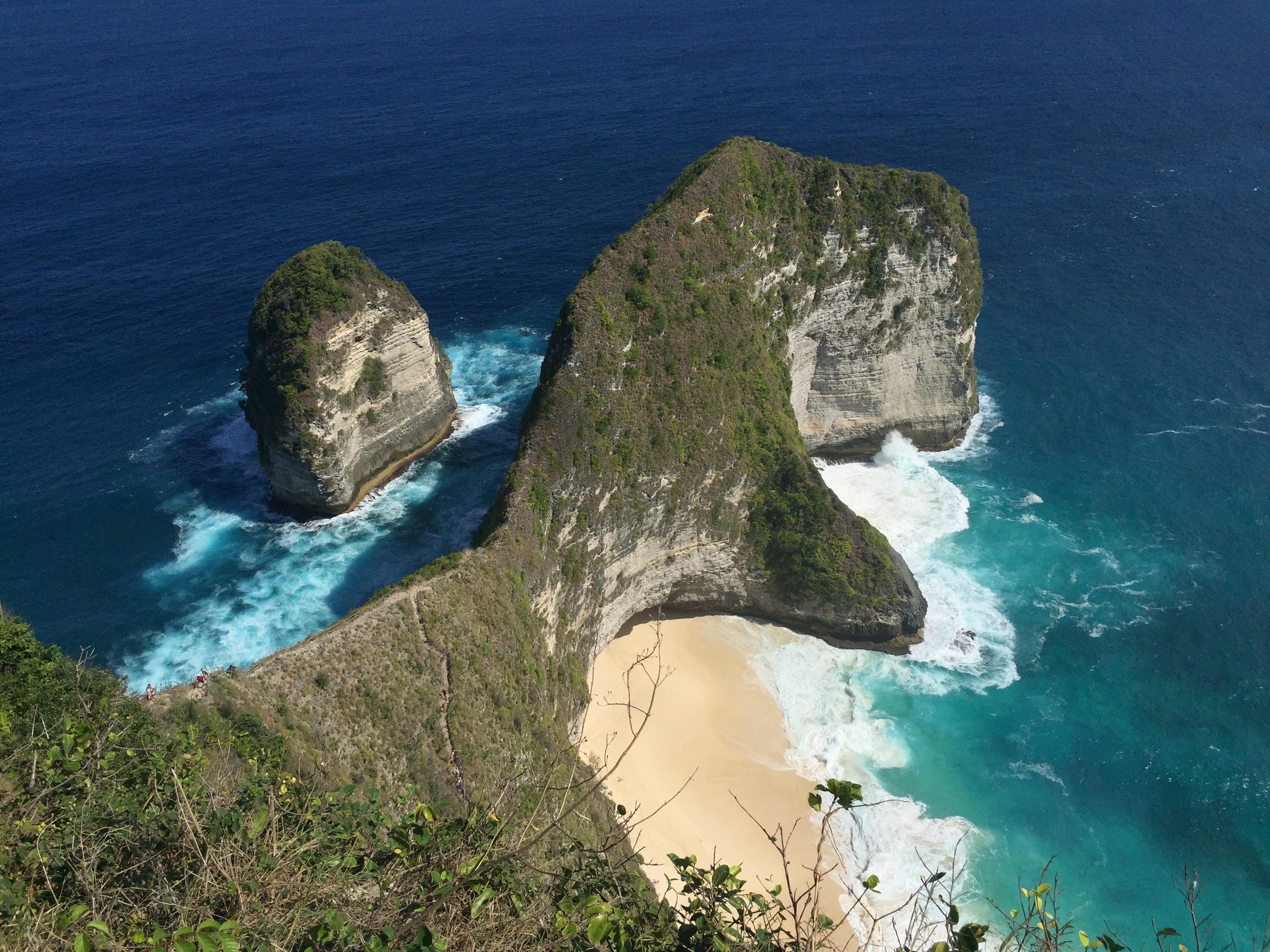 Kelingking Beach, Nusa Penida.jpg