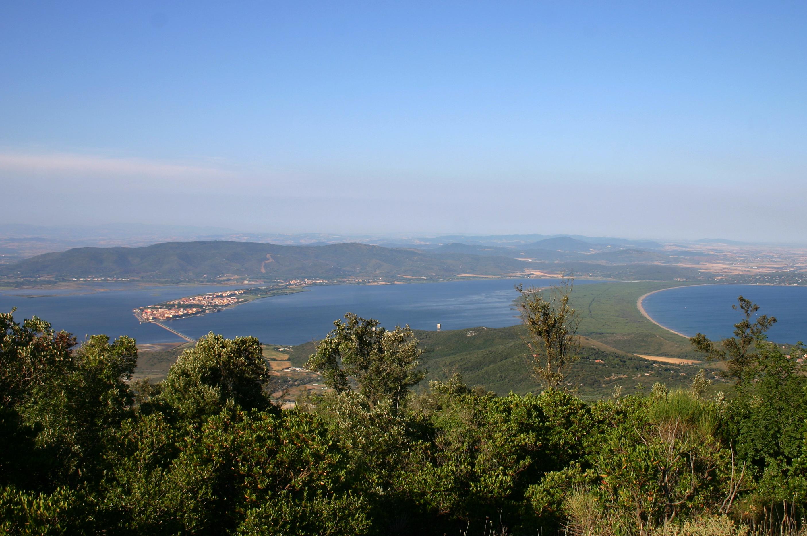 Laguna Orbetello, Tombolo di Feniglia