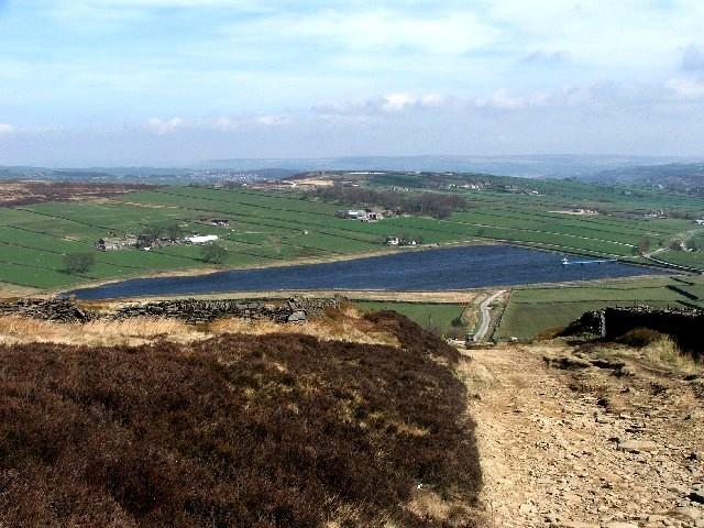 Leeshaw Reservoir. - geograph.org.uk - 397163