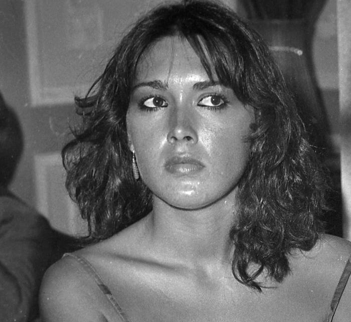 Lilli Carati Nude Photos 33