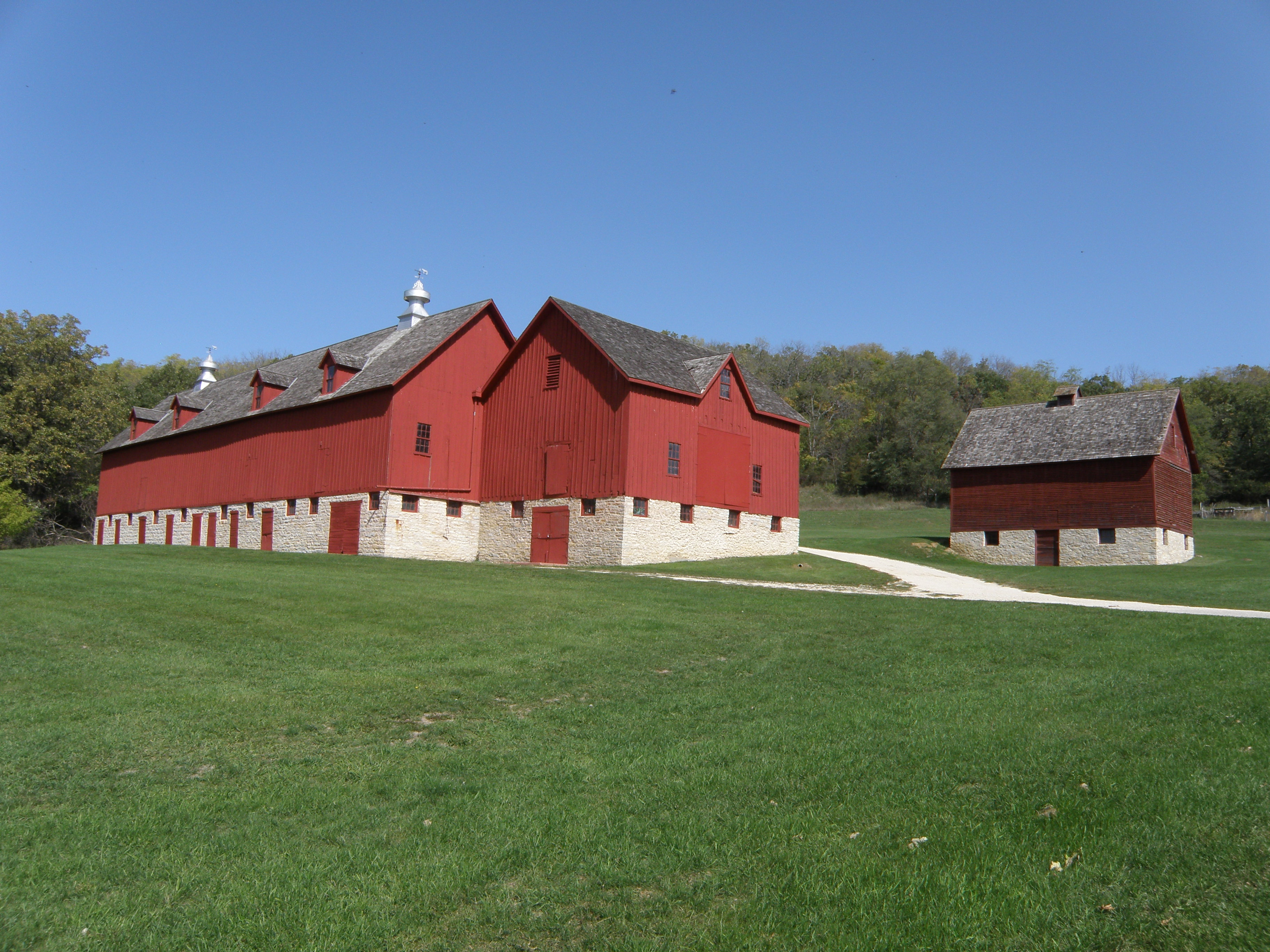 File luther college farm decorah ia wikimedia for Farm house pics