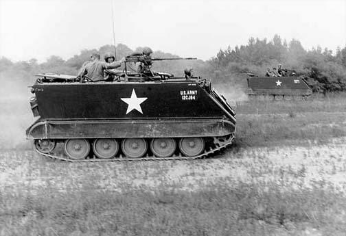 Transporte blindado de personal APC M113-fort-meade-1965