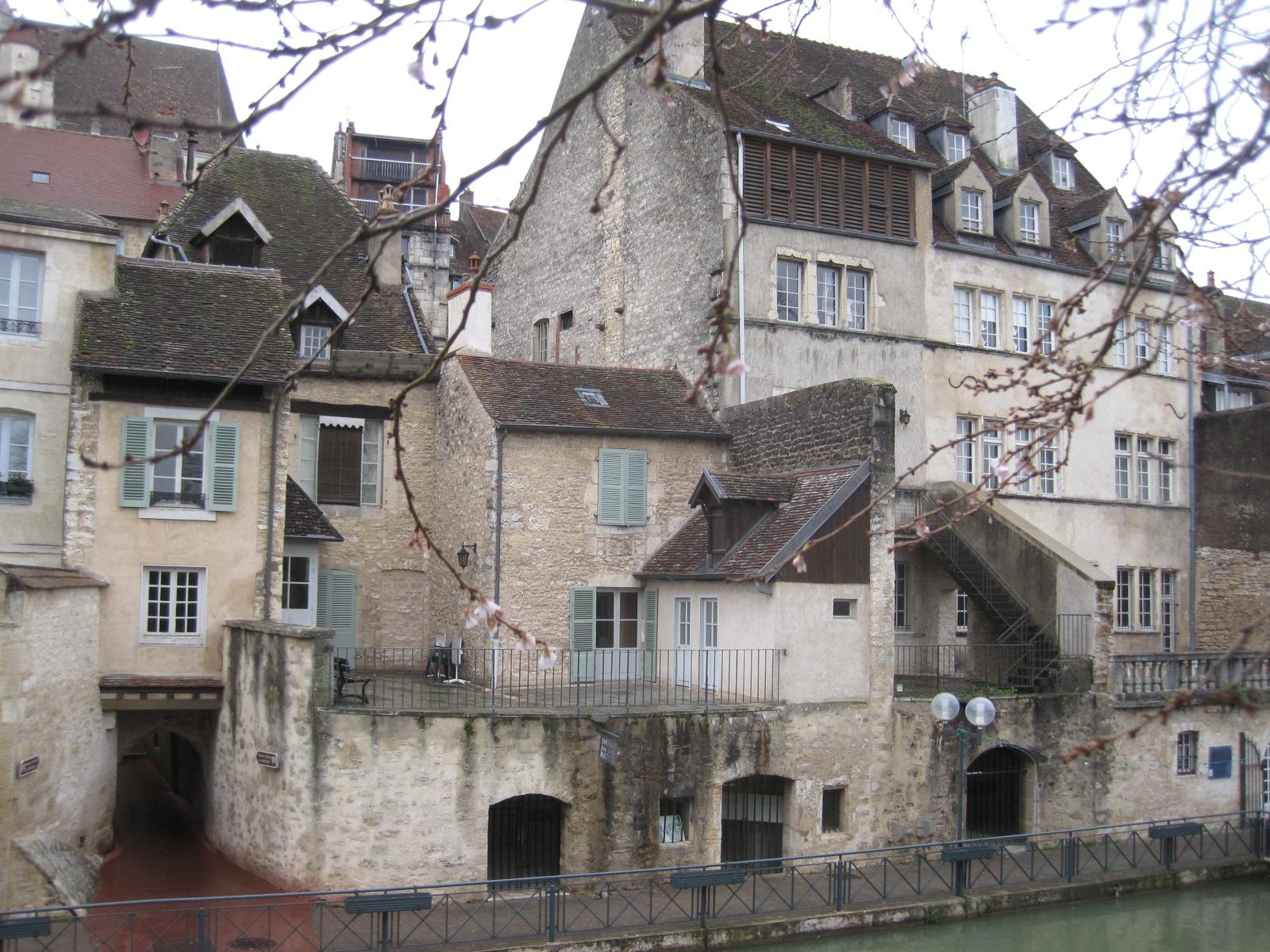 File maison louis pasteur dole 050 jpg wikimedia commons for Maison dole