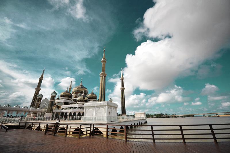 Homestay Masjid Kristal File:masjid Kristal.jpg