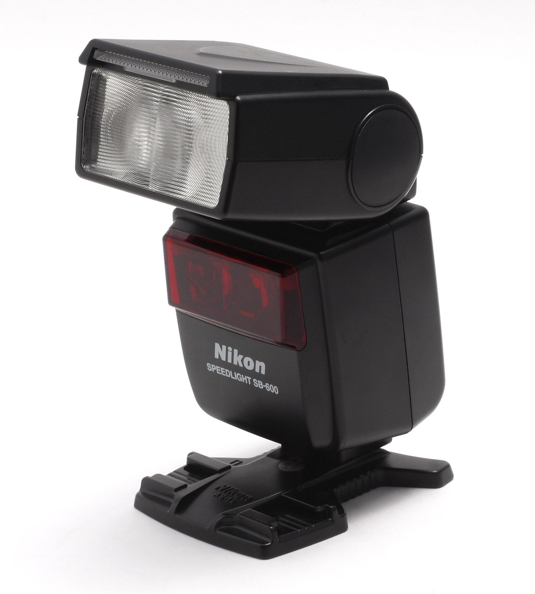 File:Nikon Speedlight SB-600.jpg - Wikimedia Commons