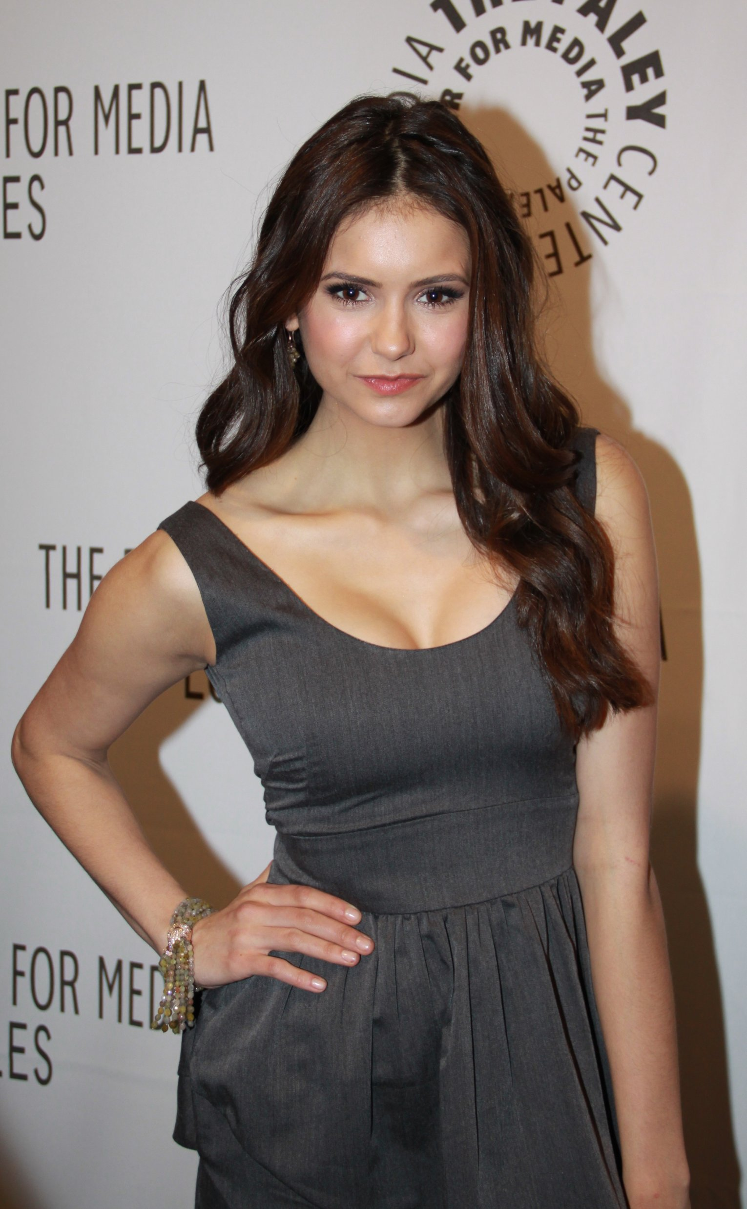 File:Nina Dobrev at PaleyFest2010.jpg - Wikimedia Commons