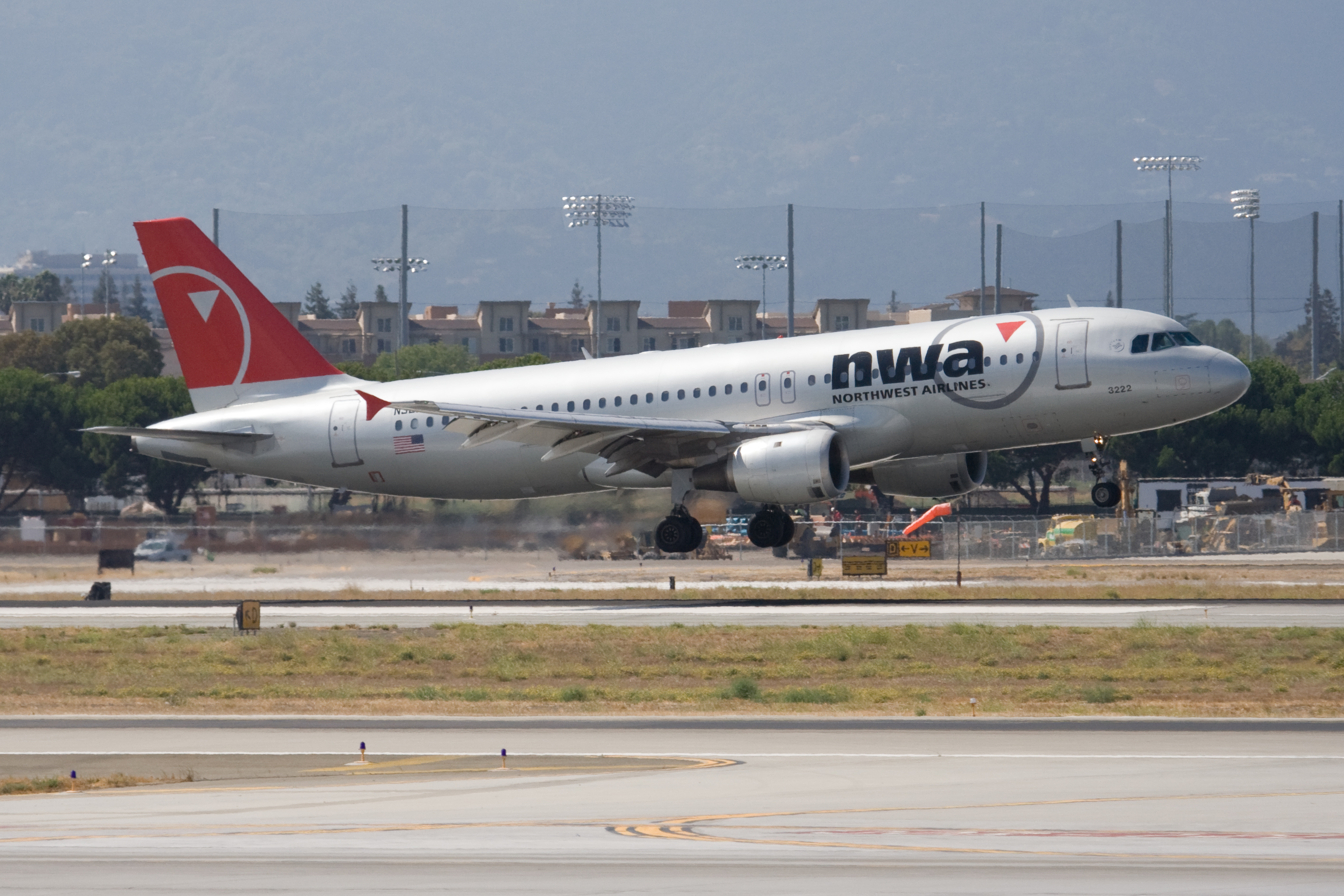 File Northwest Airlines A320 Upon Takeoff At San Jose