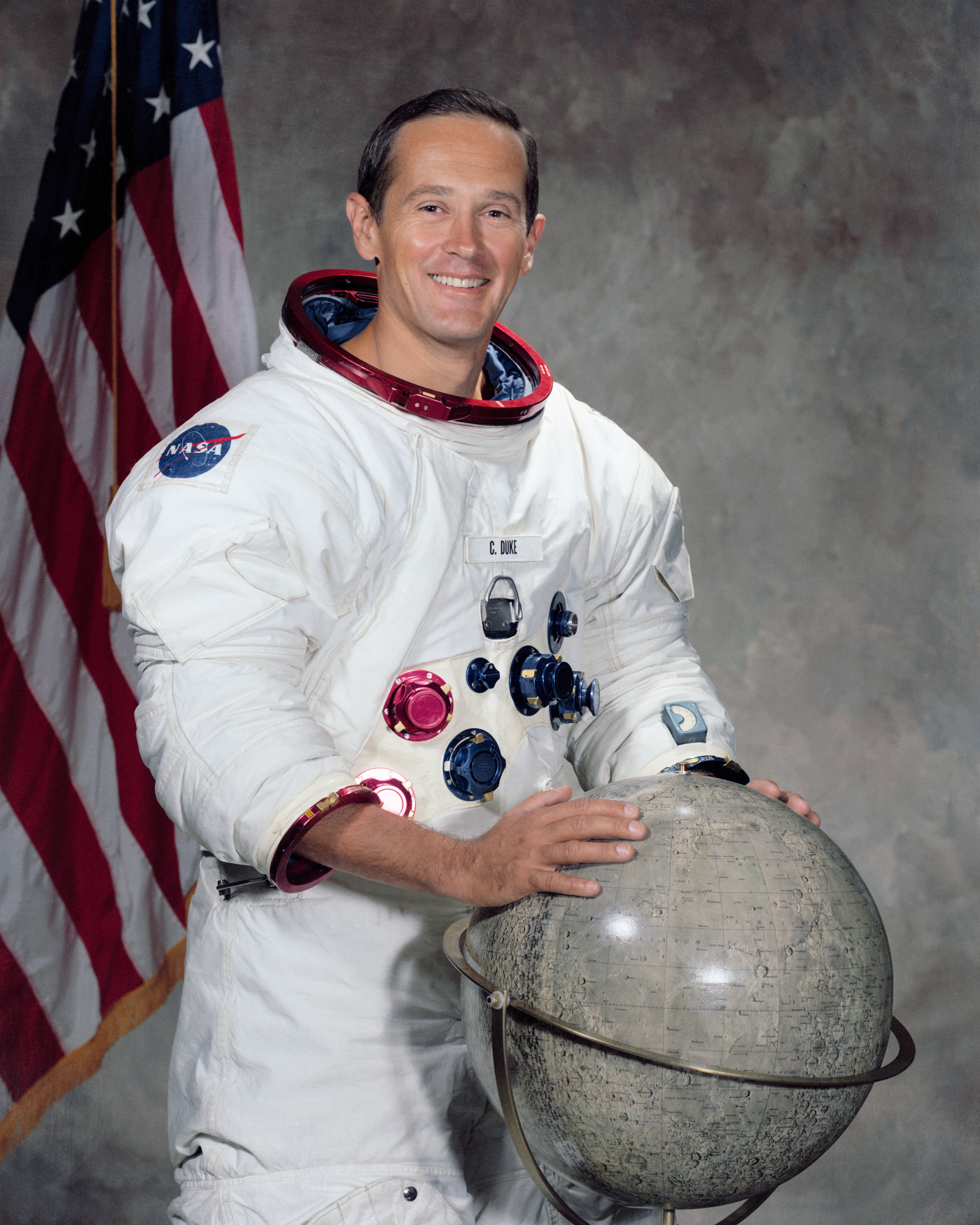 Image of Charles Duke from Wikidata
