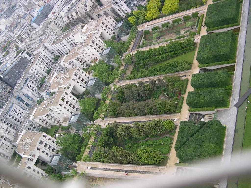 File:Parc-Andre-Citroen-vue-aerienne-Jardins-Seriels-019.jpg ...