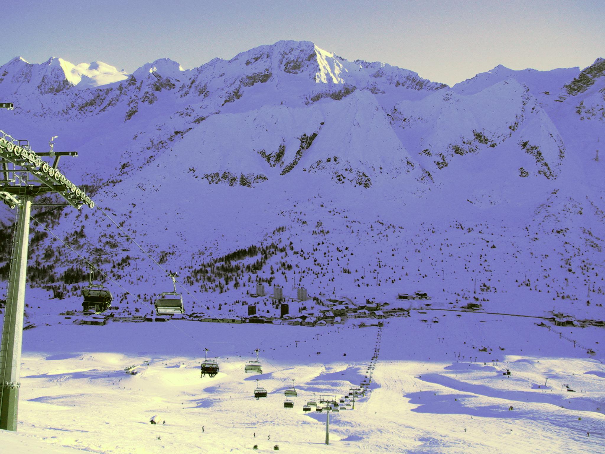 skiing italy