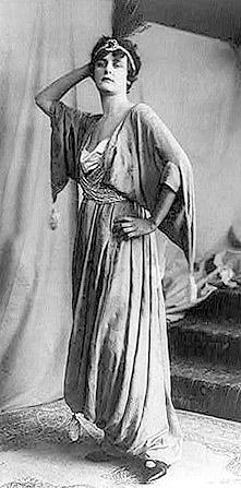 Poiret oli orientalismin mestari (1912).