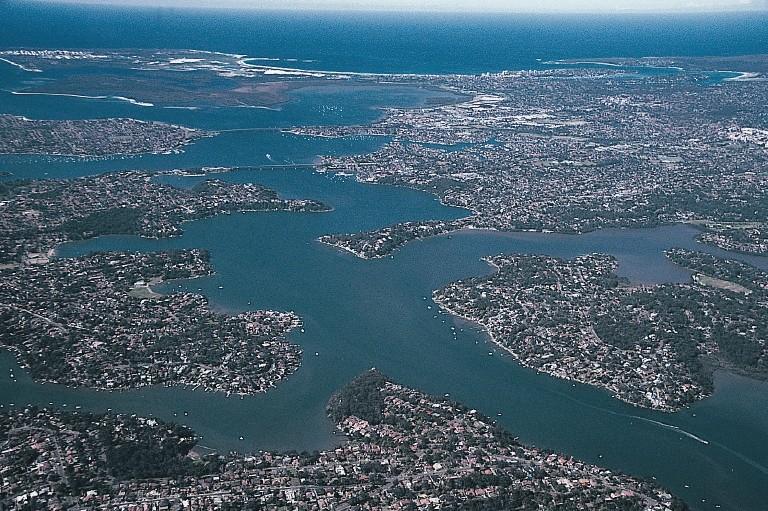 AGUAS CORRIENTES  SOBEYDA BELTRAN CARDENAS PortHacking-Sydney-Ria