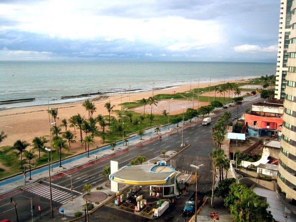 Ficheiro:Praia de Boa Viagem Recife.jpg